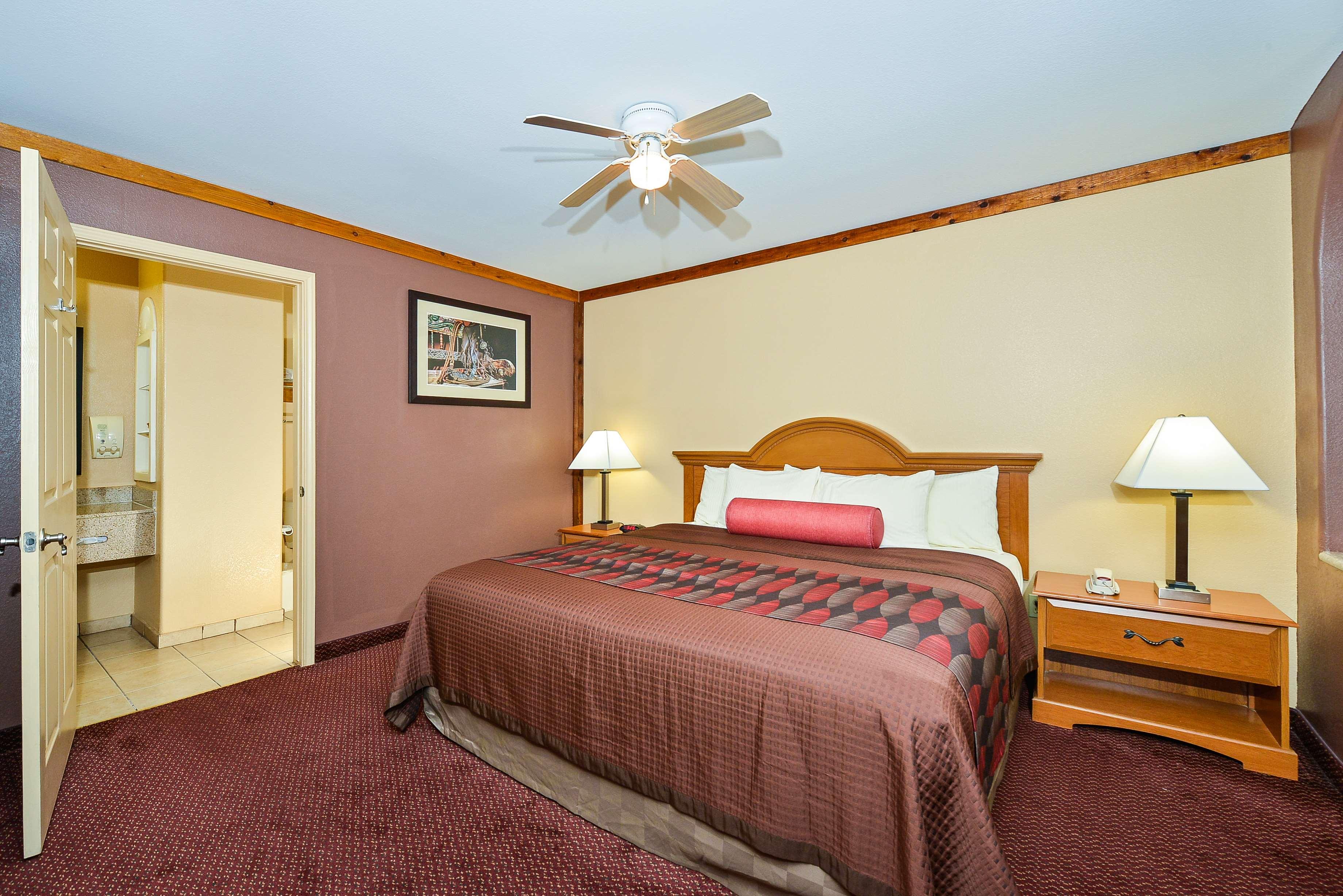 Best Western Windwood Inn & Suites image 24