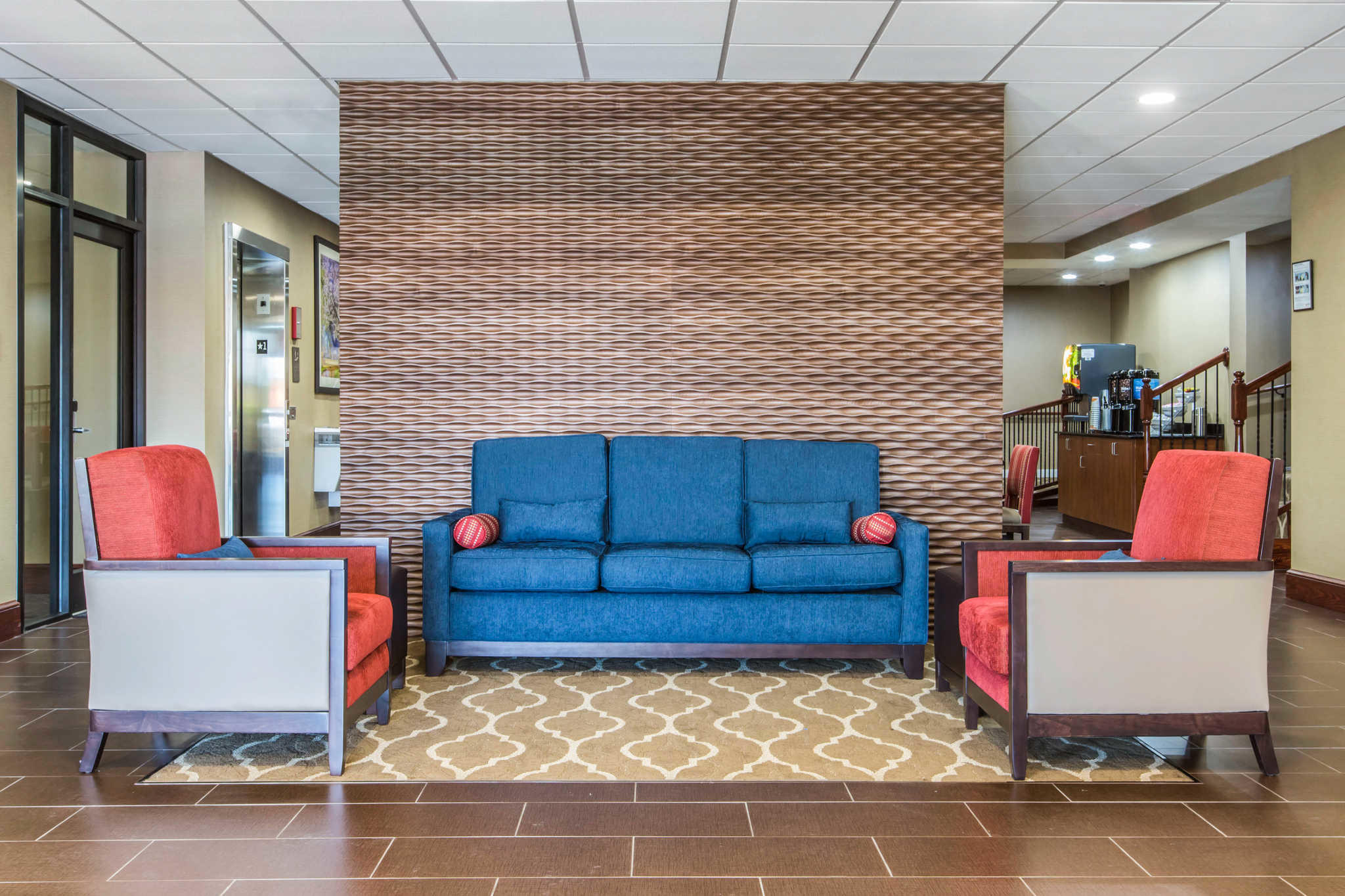 Comfort Inn & Suites West image 4