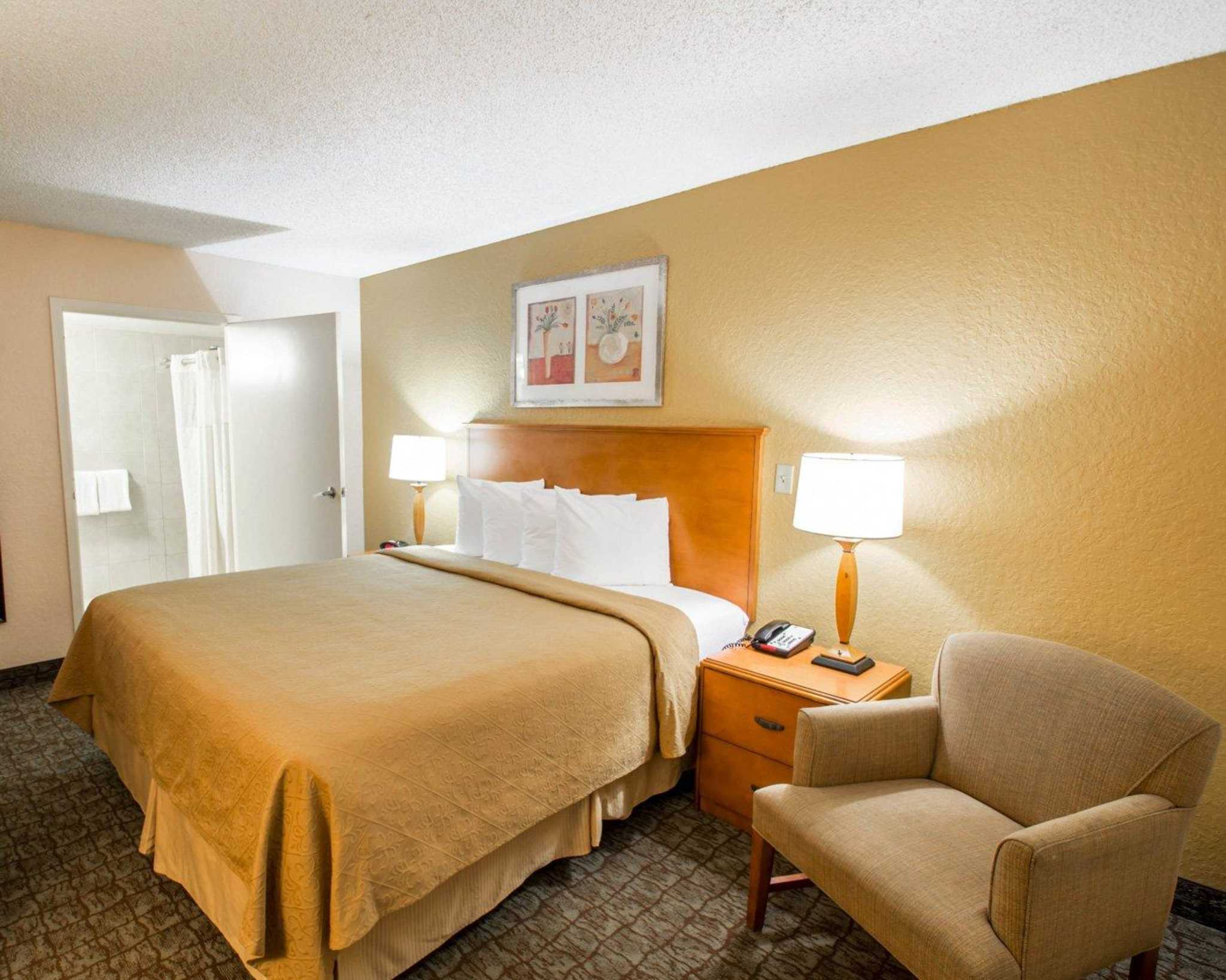 Quality Inn Miami Airport image 4