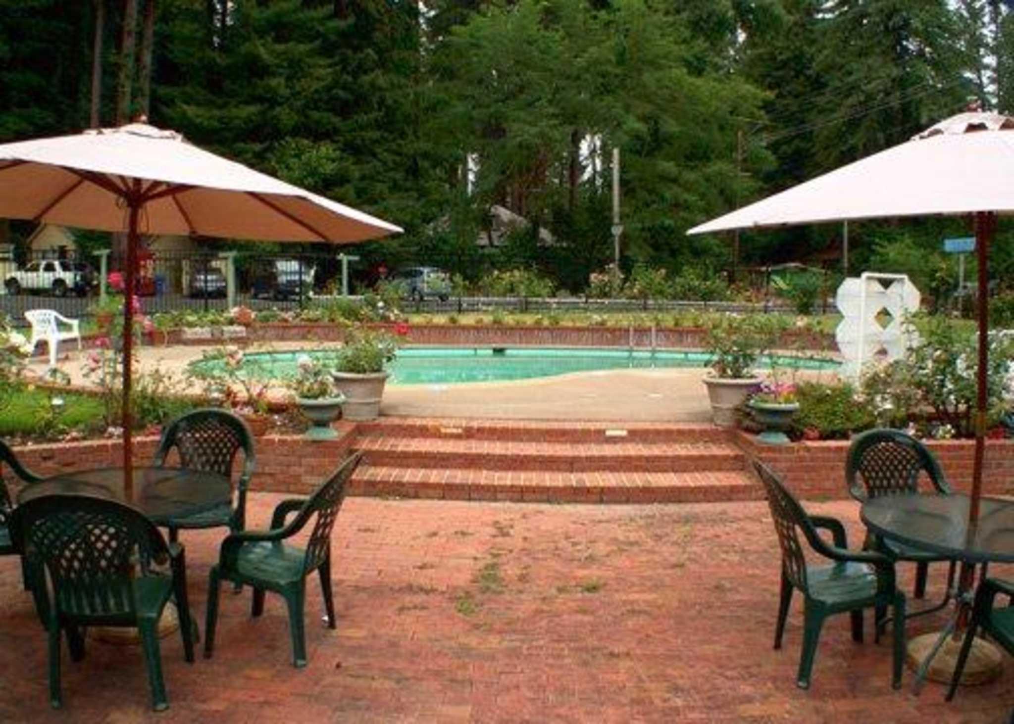 Quality Inn & Suites Santa Cruz Mountains image 10