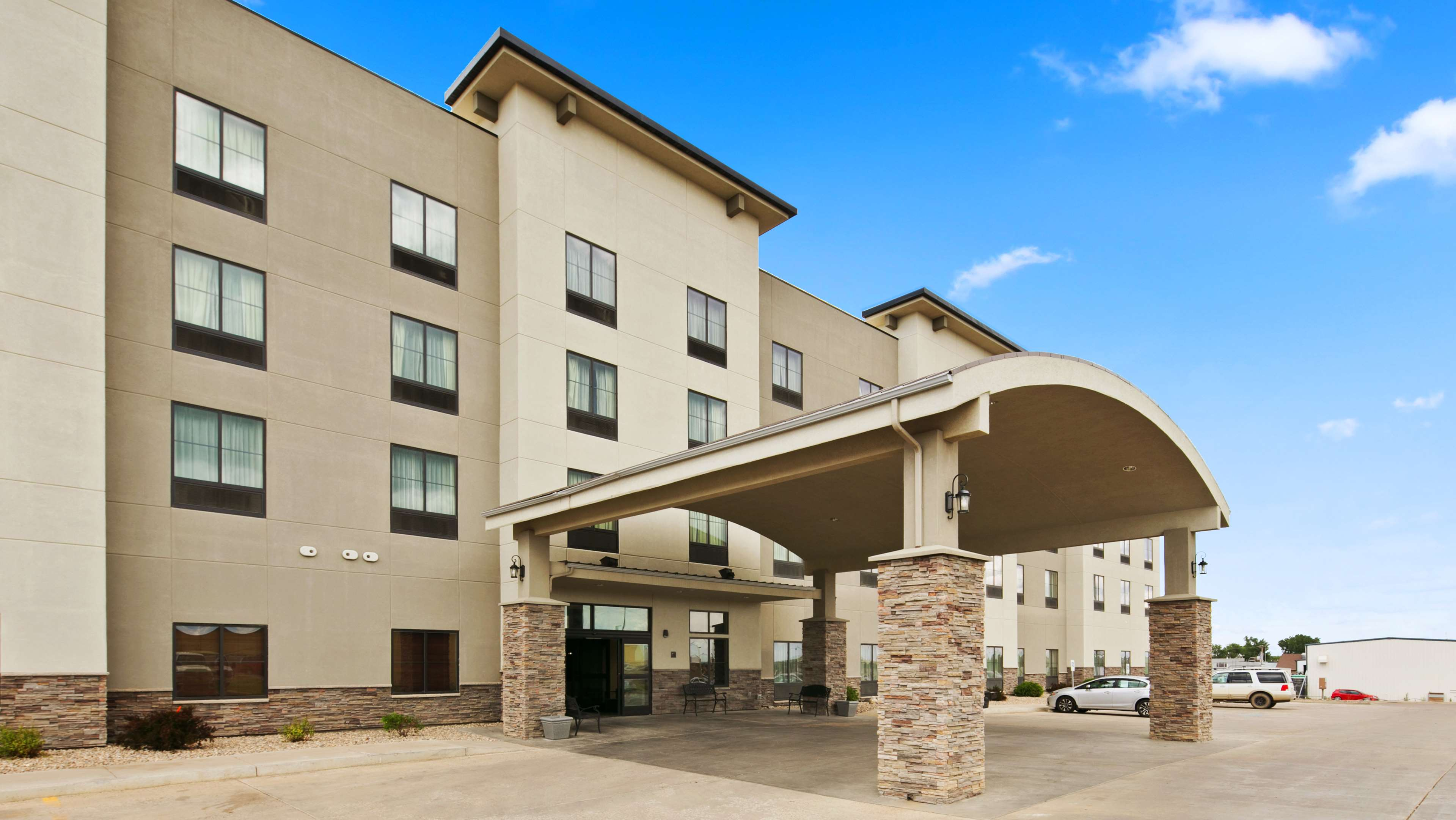Best Western Plus Williston Hotel & Suites image 1