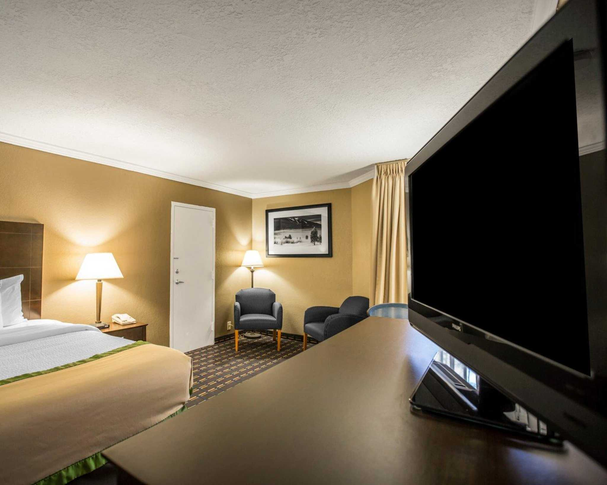 Clarion Inn Asheville Airport image 7