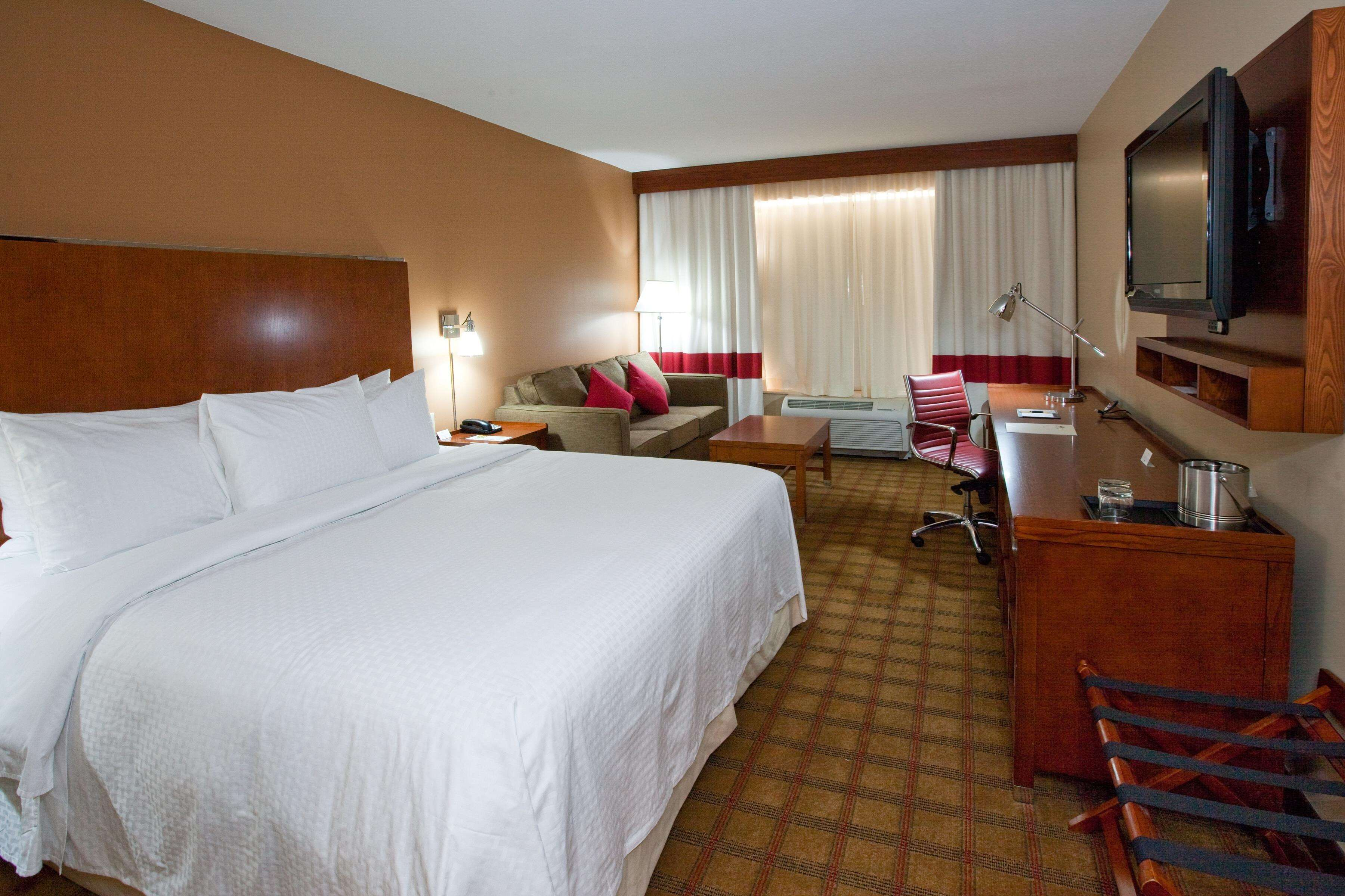 DoubleTree by Hilton Hotel Raleigh - Cary image 10