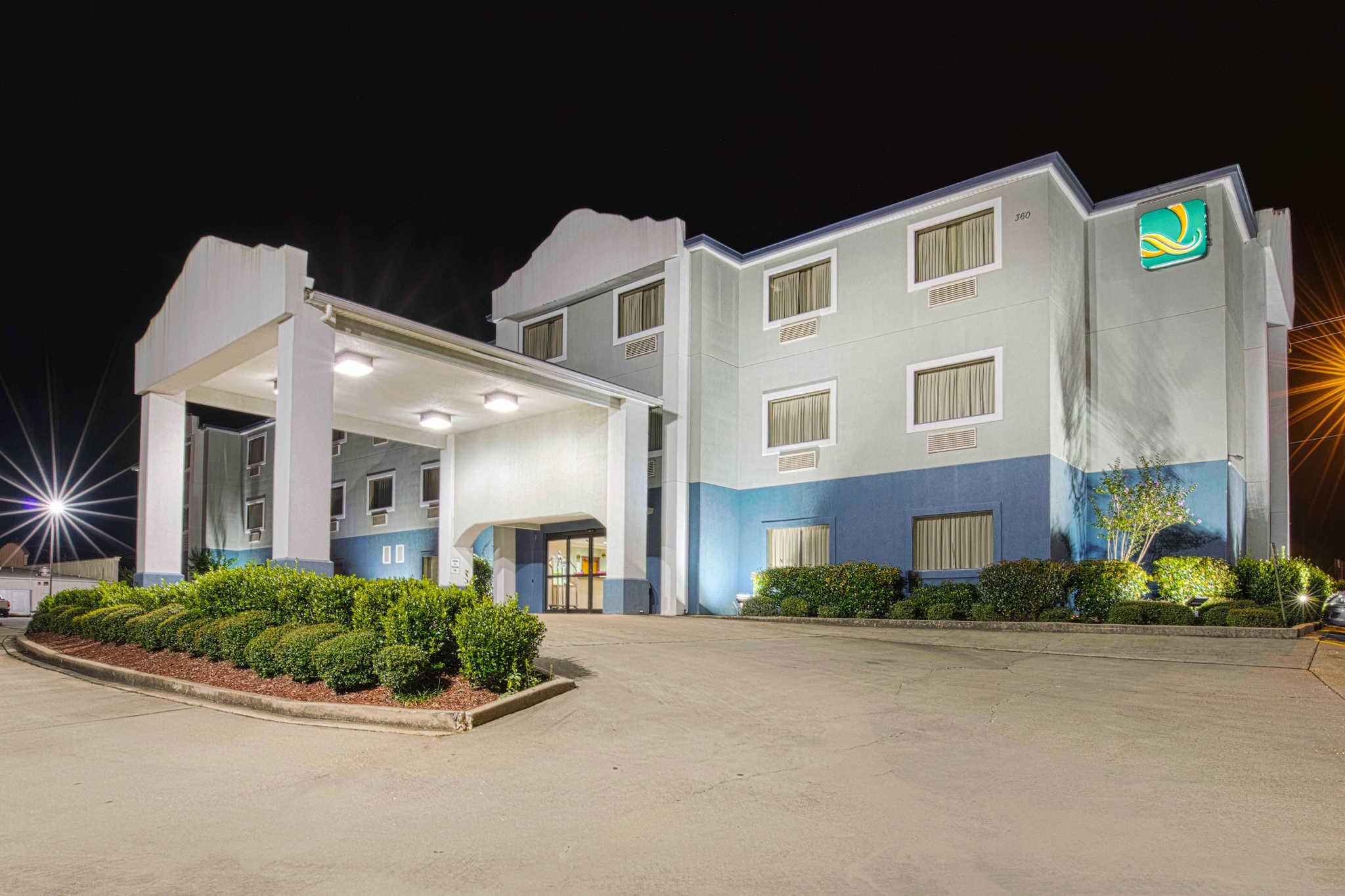 Quality Inn & Suites Jackson Int'l Airport image 2