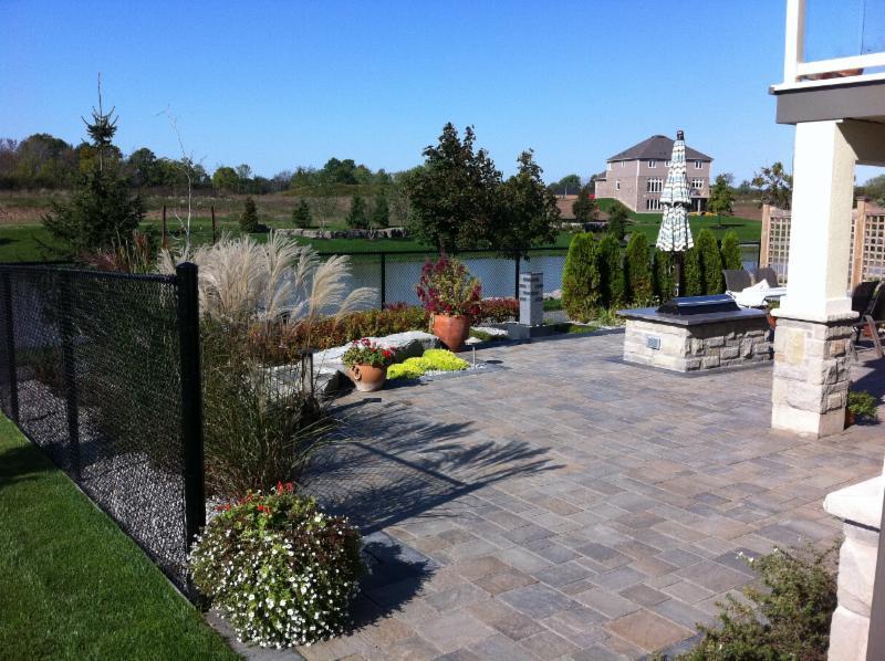 Rynberk landscape contractors inc welland on ourbis for Gardening contractors