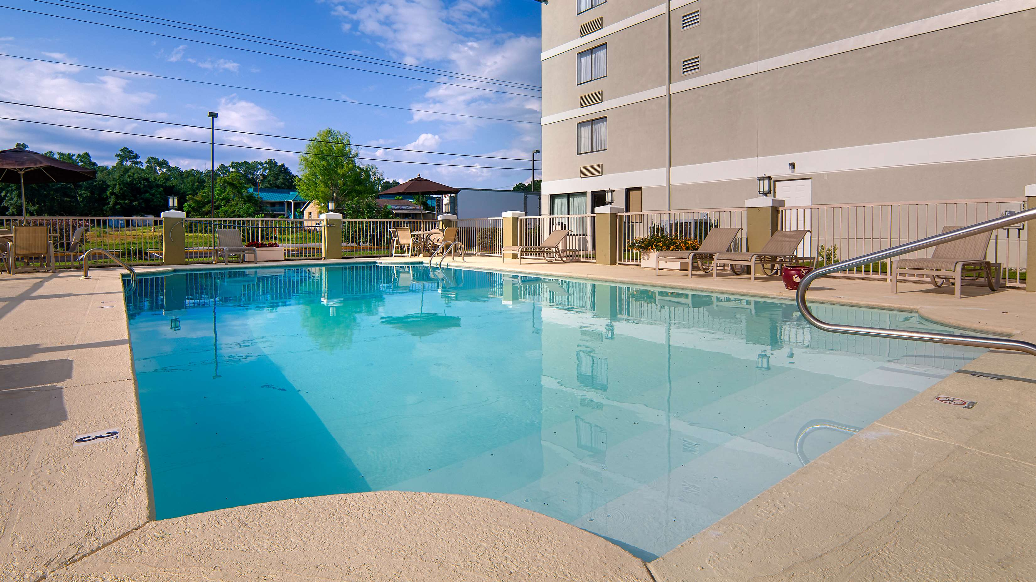 Best Western Plus Cypress Creek image 4