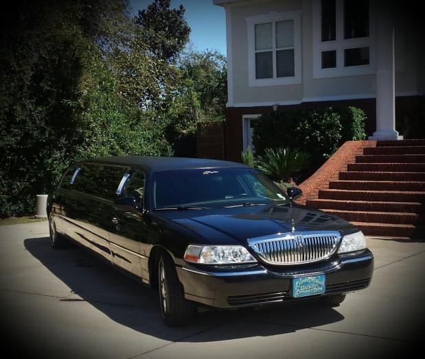 Lincoln on Demand Limousine and Sedan Service image 4