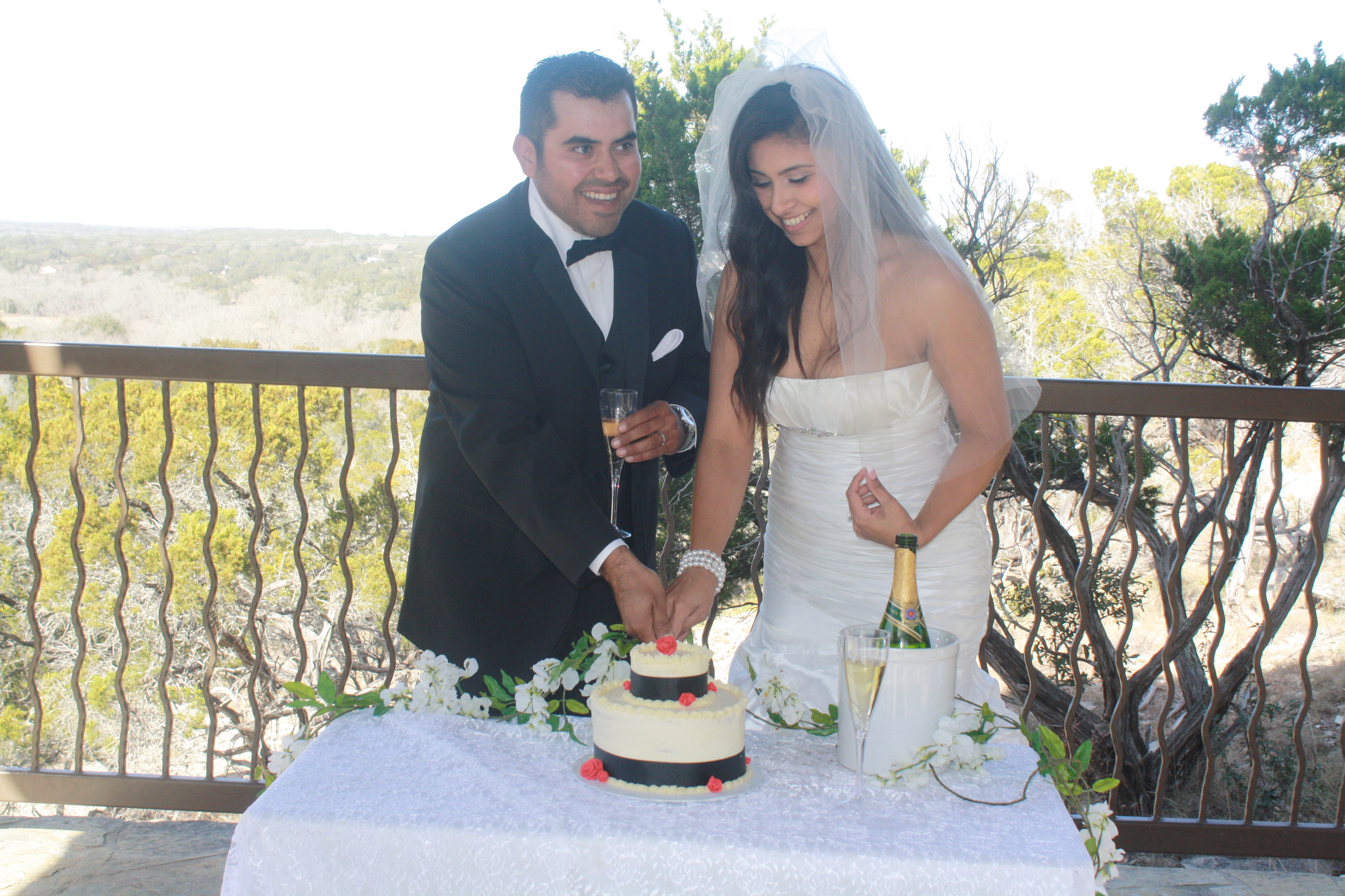 Small weddings in san antonio - Our Elopement Small Wedding Packages Are Designed To Give Couples Everything They Need For A Small Wedding At Affordable Picturesque Locations From San