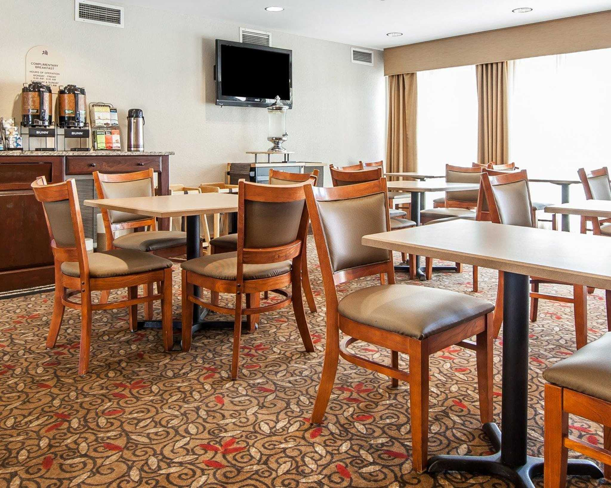 MainStay Suites Knoxville Airport image 11