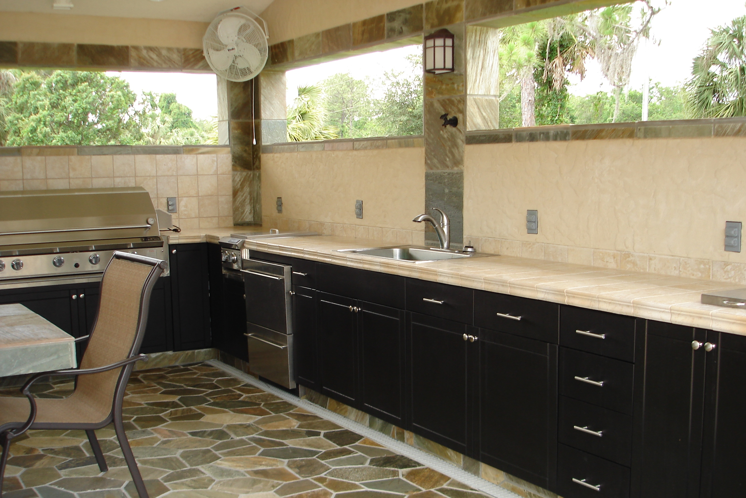 Outdoor Cabinets Direct image 12