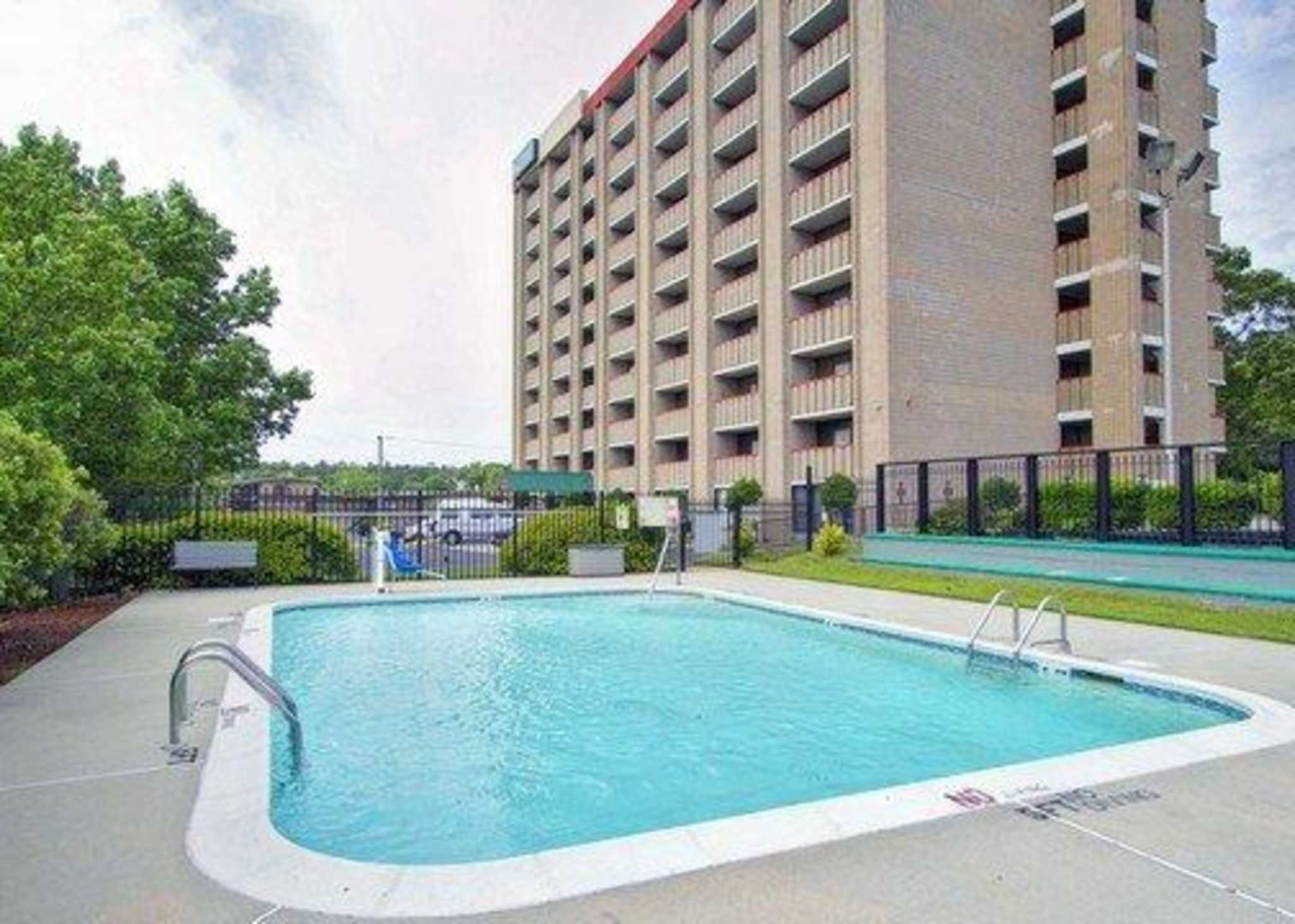 Quality Inn & Suites Fort Bragg image 9