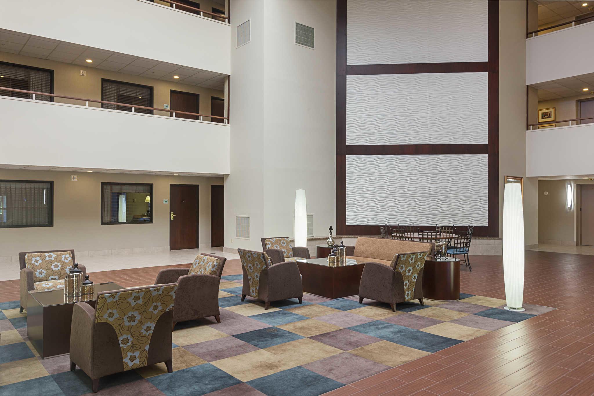 Quality Suites image 9