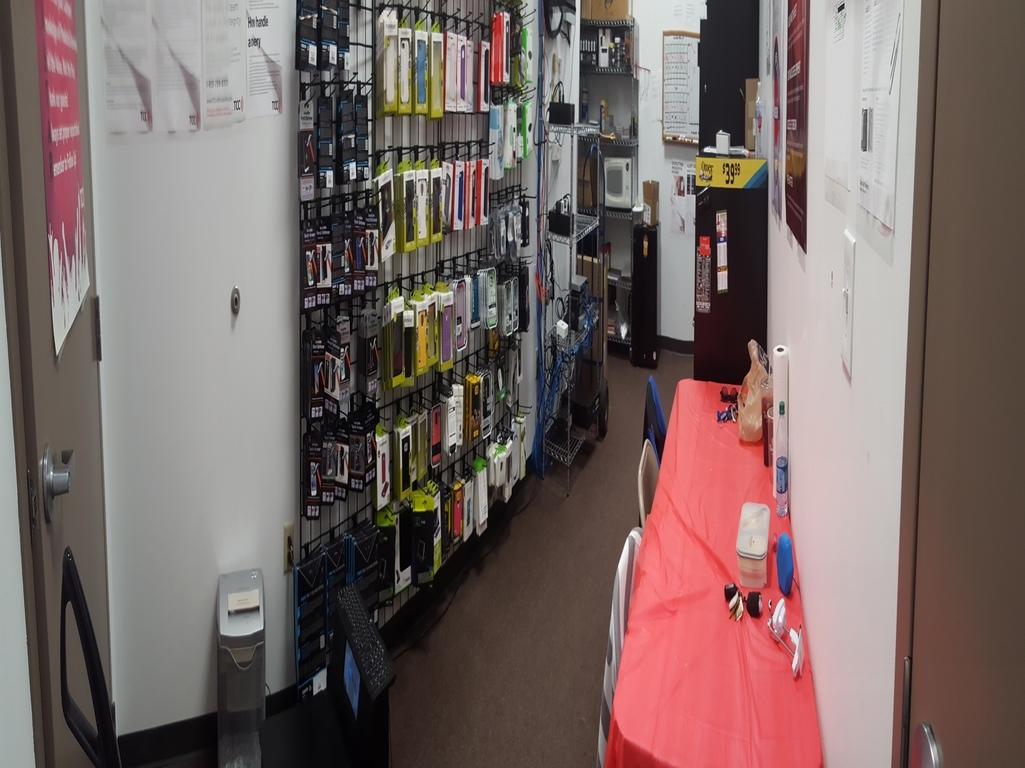 Verizon Authorized Retailer, TCC image 16