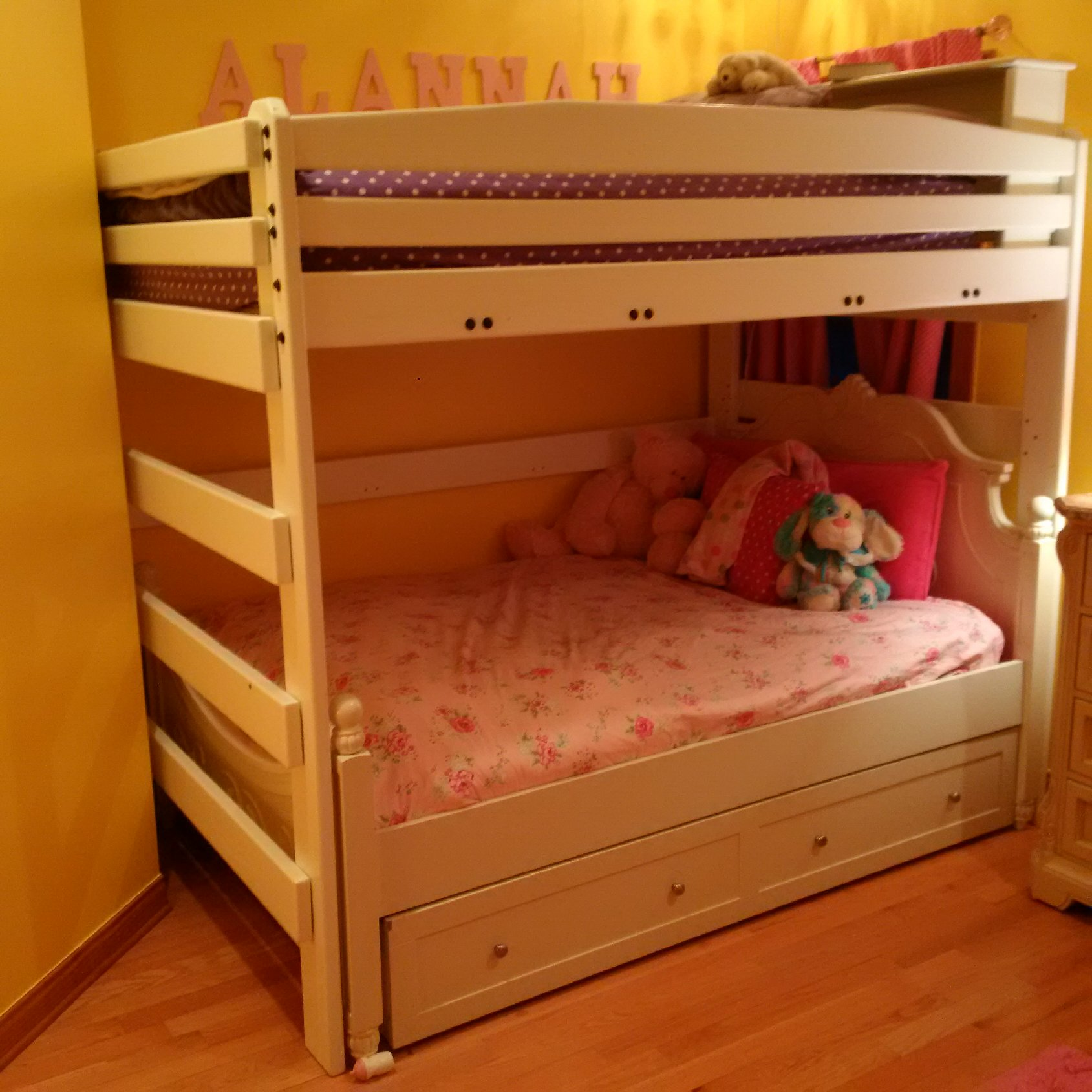 The Bunk Bed Barn image 0