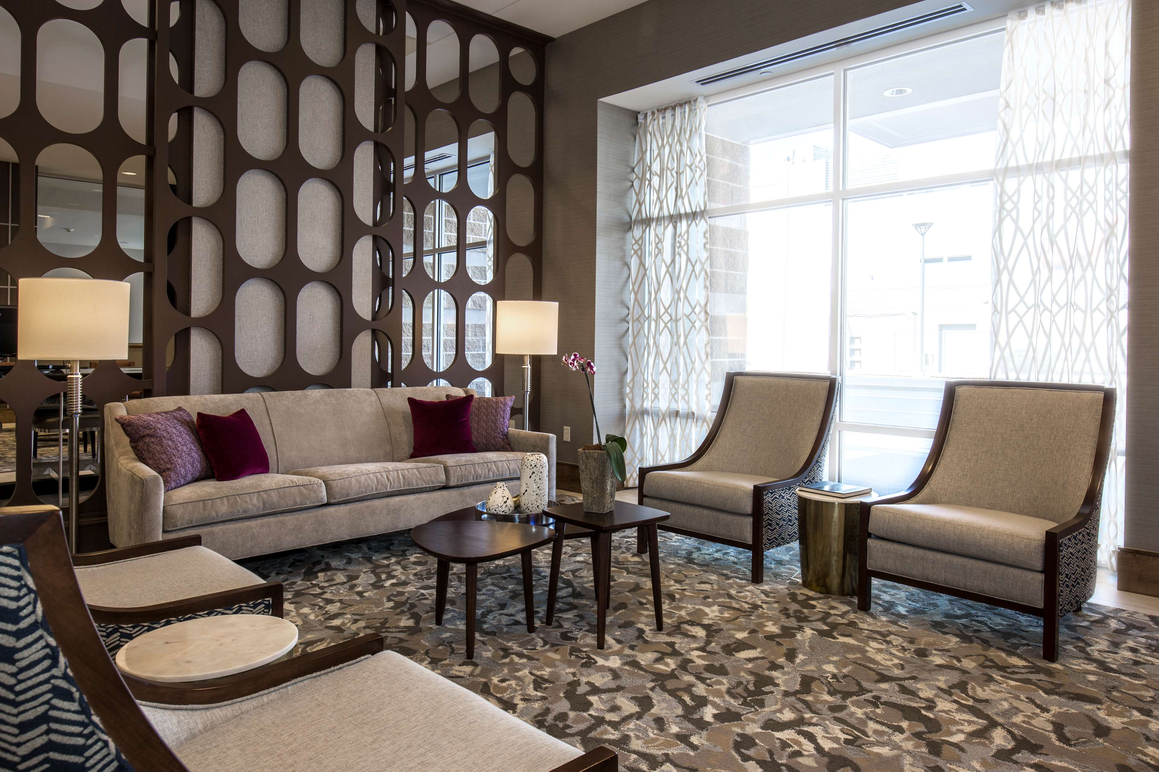 DoubleTree by Hilton Evansville image 7