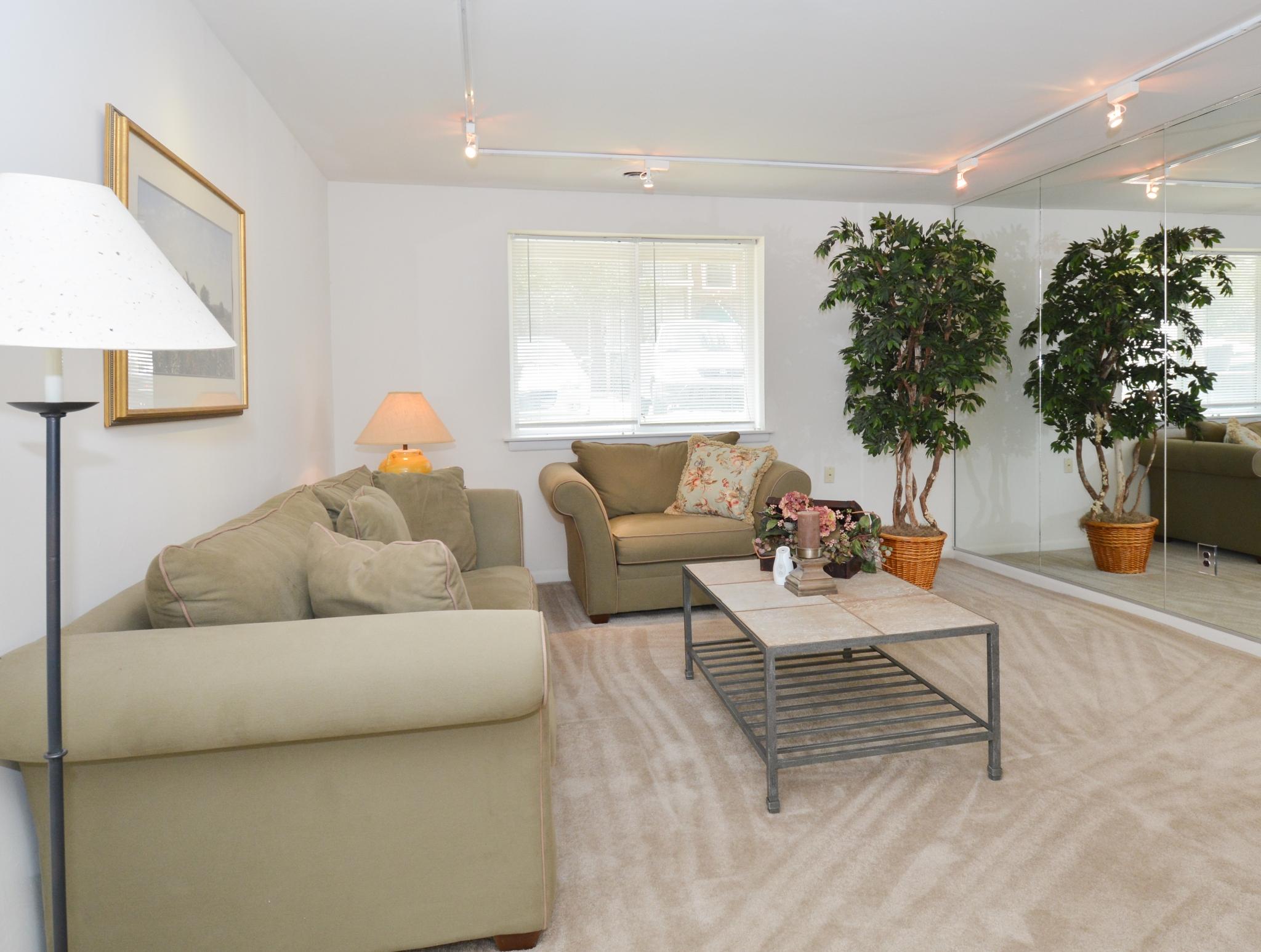 OakTree Apartments image 7