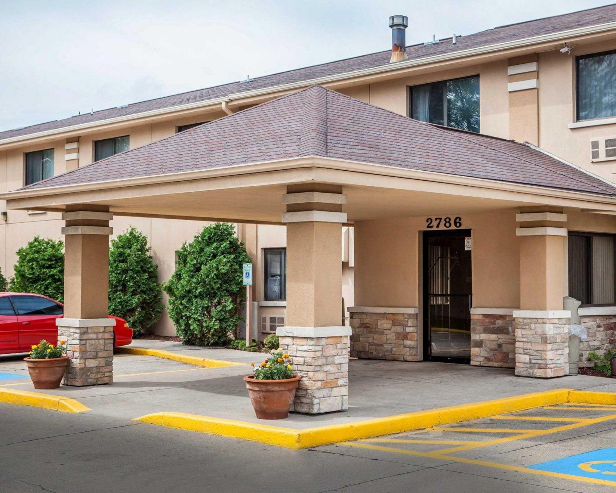Hotels Near Beloit Wi