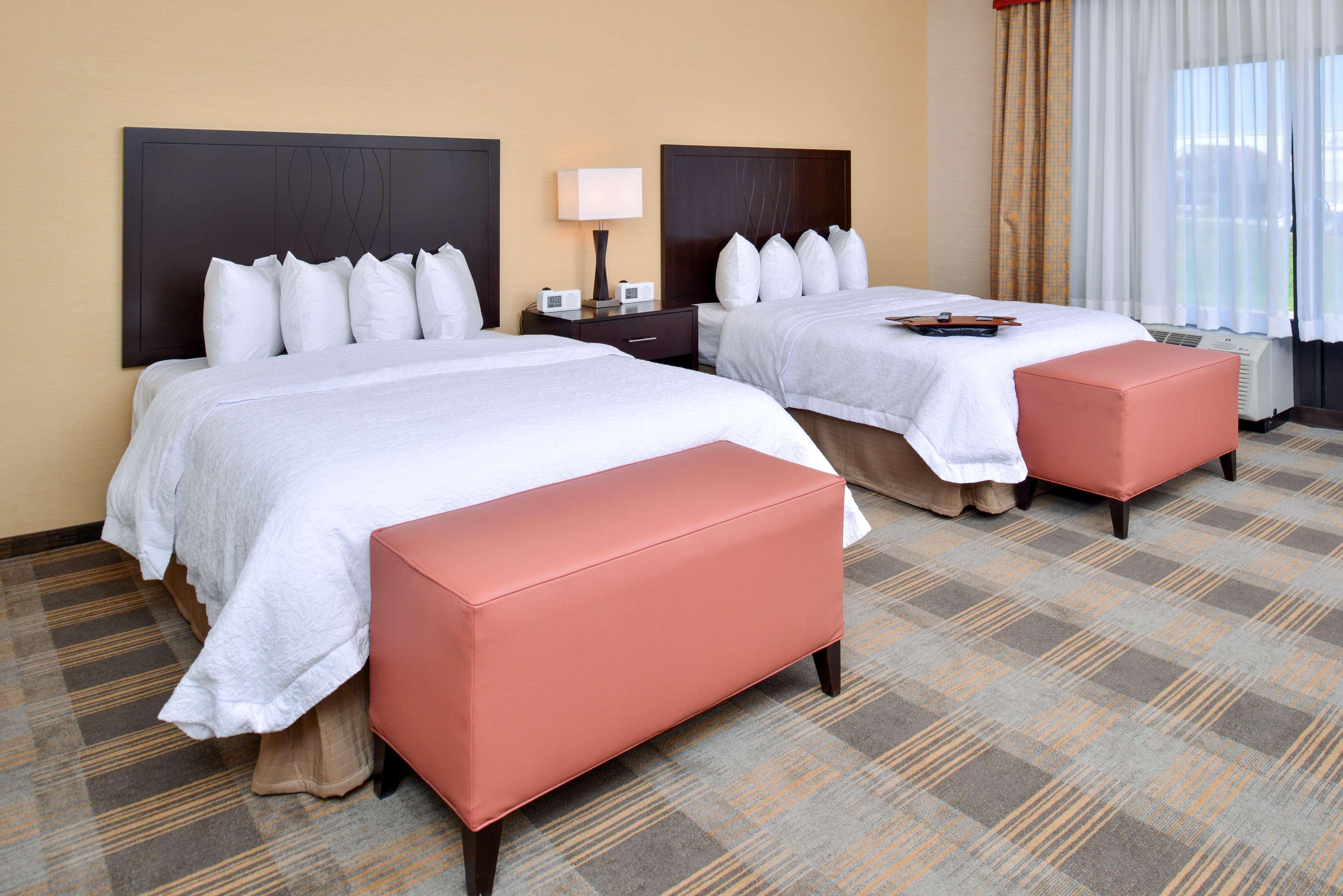 Hampton Inn & Suites California University-Pittsburgh image 16