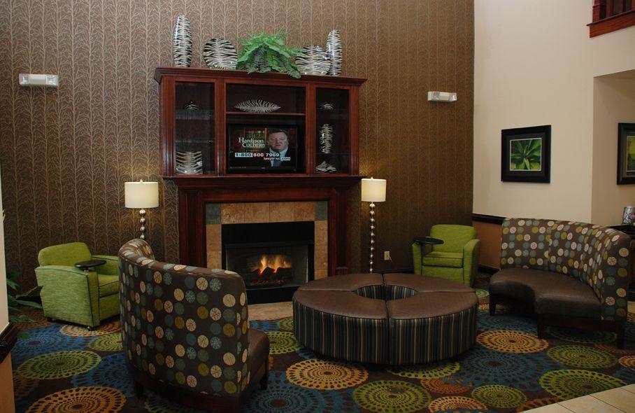Holiday Inn Express & Suites Asheboro image 1