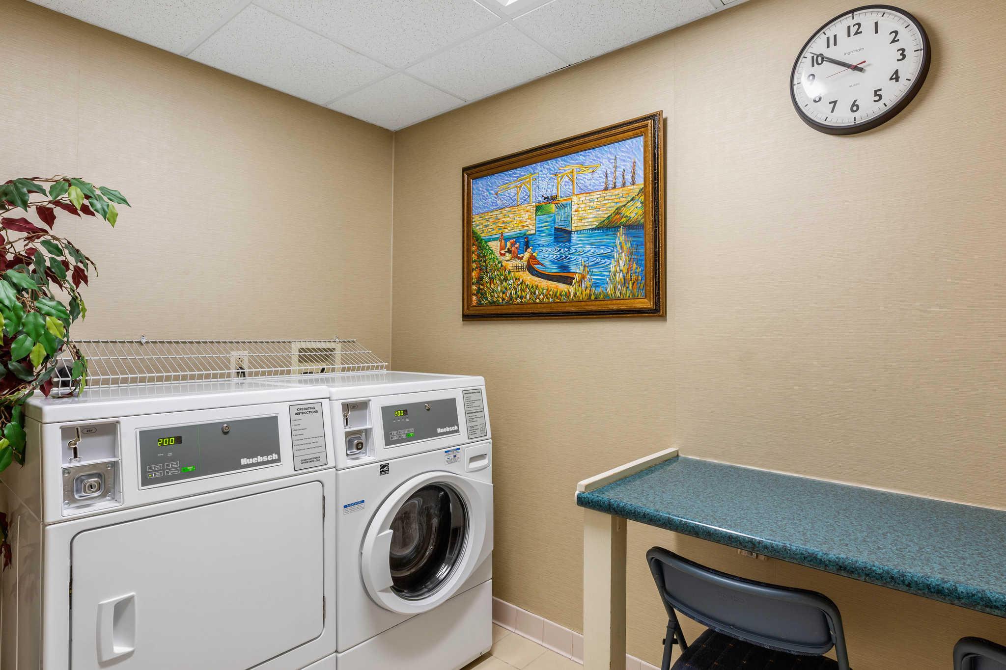 Comfort Inn & Suites image 42