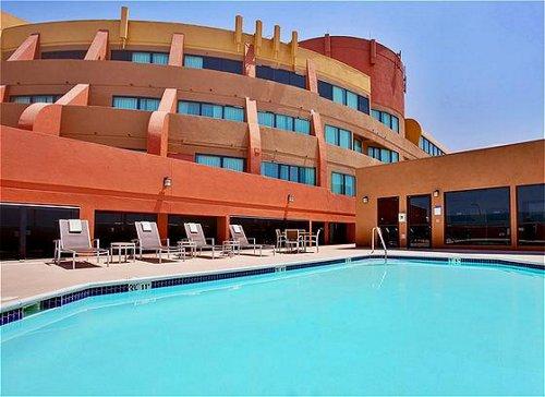 Holiday Inn Anaheim - Fullerton image 3