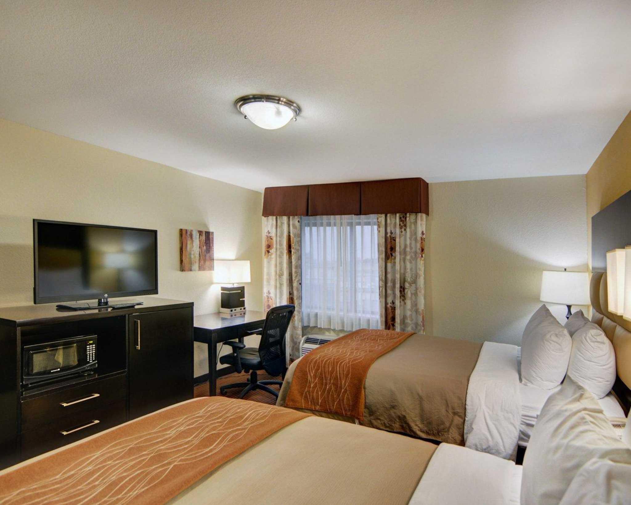 Comfort Inn image 10