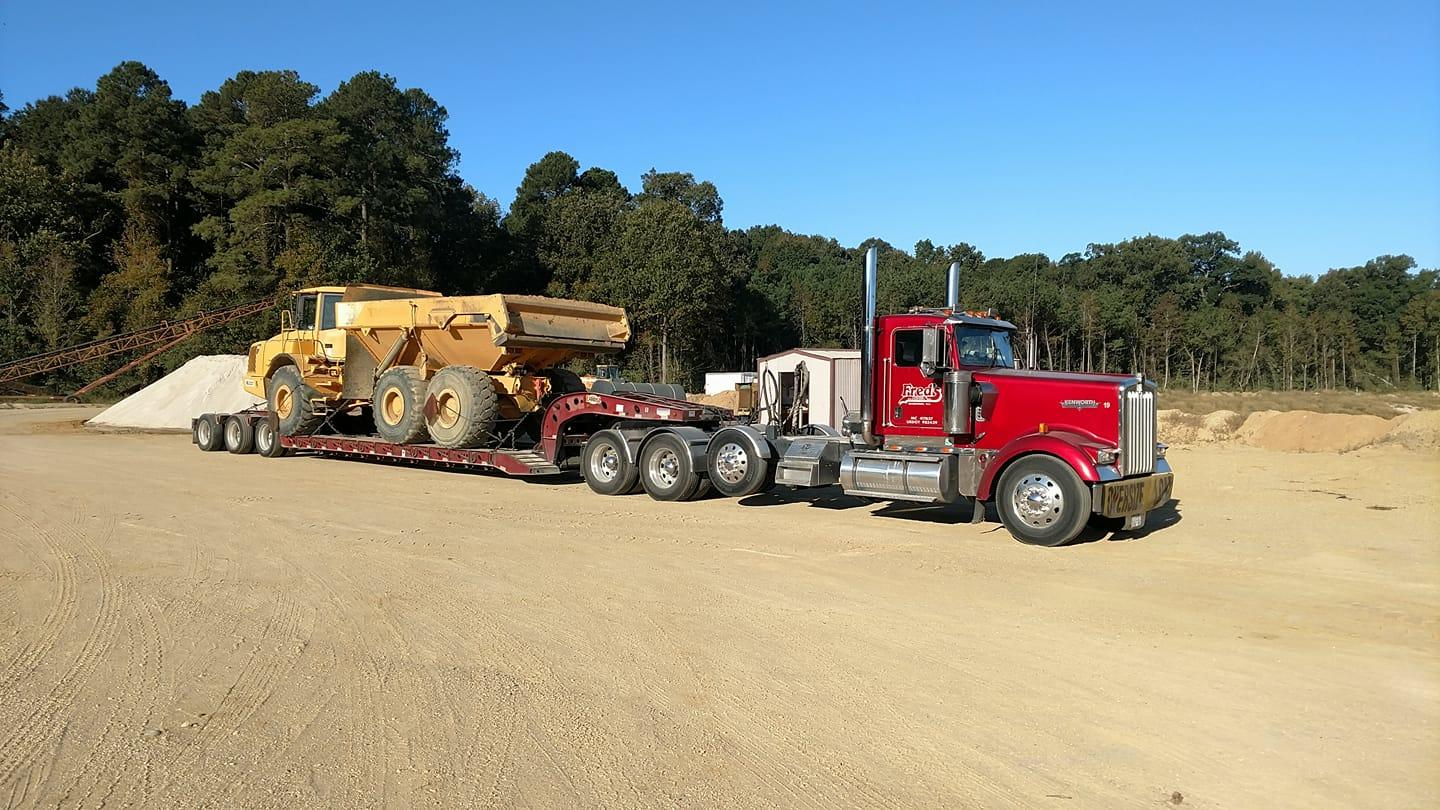 Fred's Towing & Transport image 13