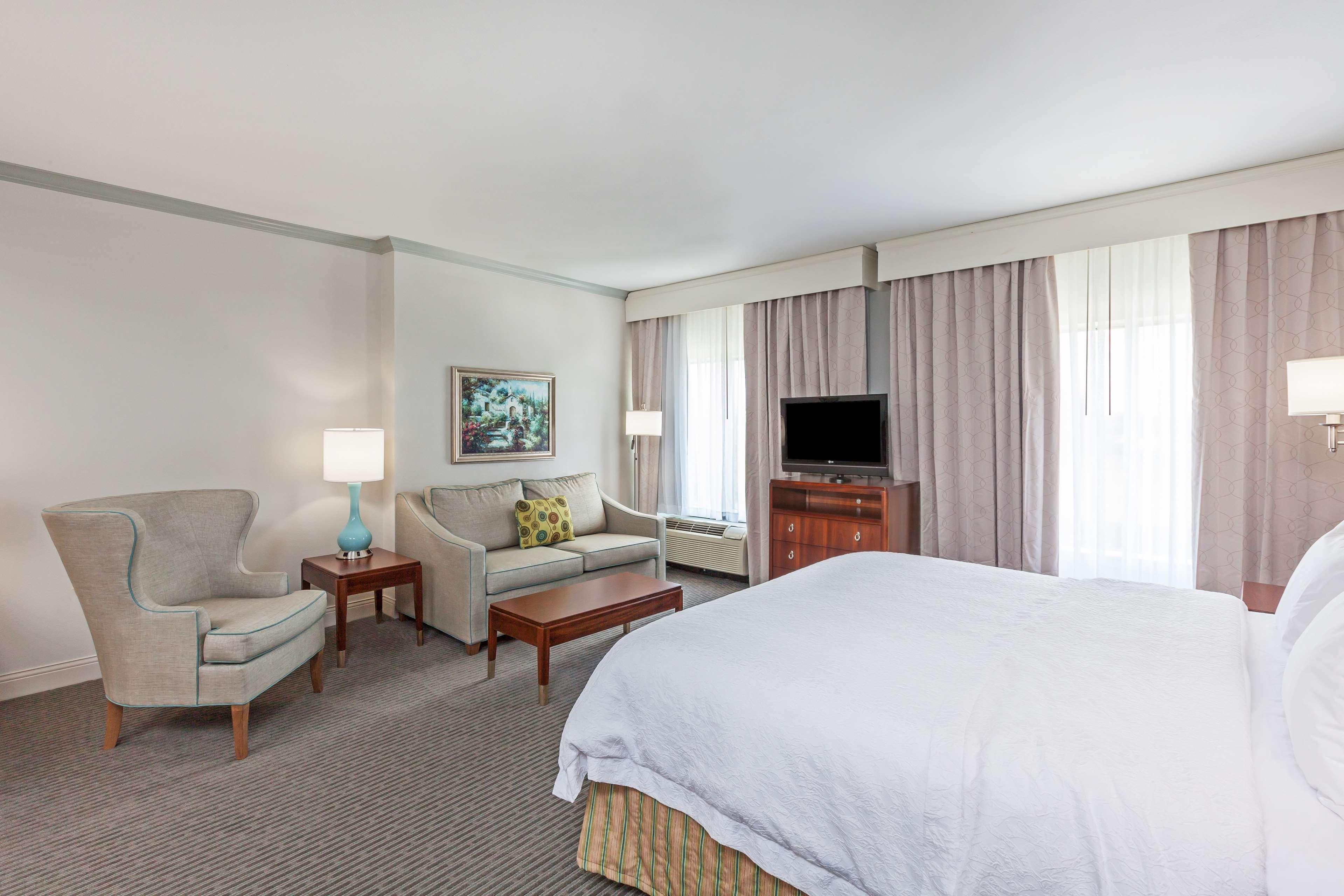 Hampton Inn & Suites Houston-Westchase image 19