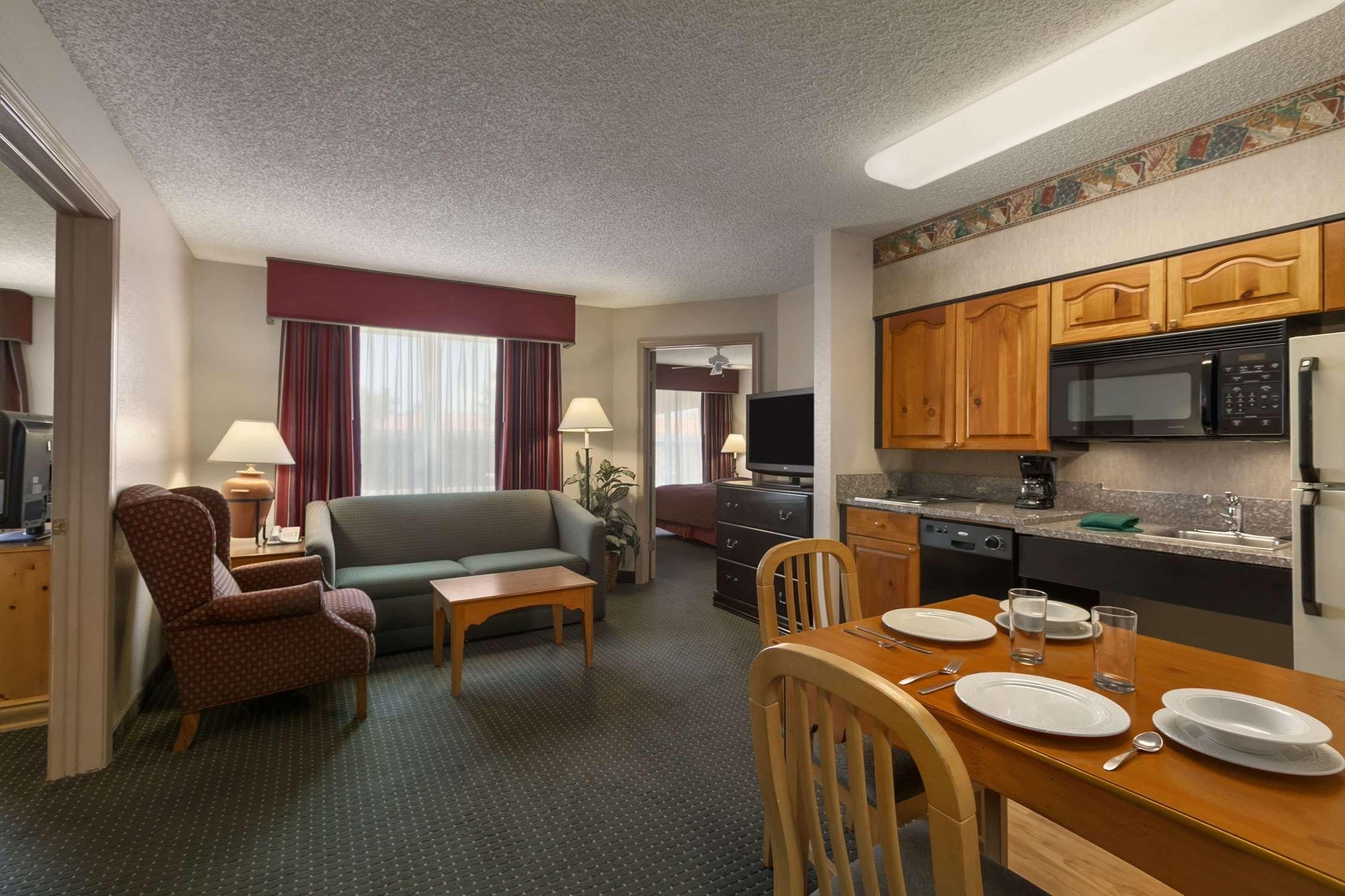 Homewood Suites by Hilton Phoenix/Scottsdale image 13