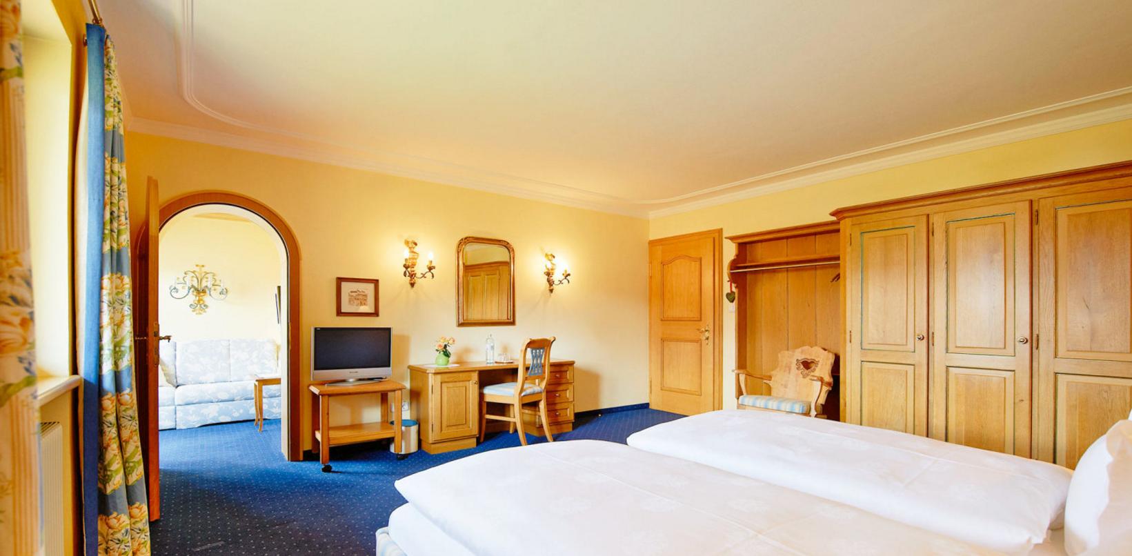 hotel alpenland in lech am arlberg hotels hotels restaurants lech sterreich tel 055832. Black Bedroom Furniture Sets. Home Design Ideas
