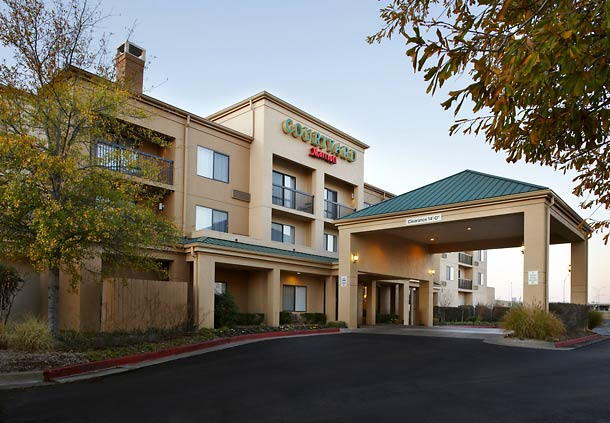 Courtyard by Marriott Tulsa Central image 10