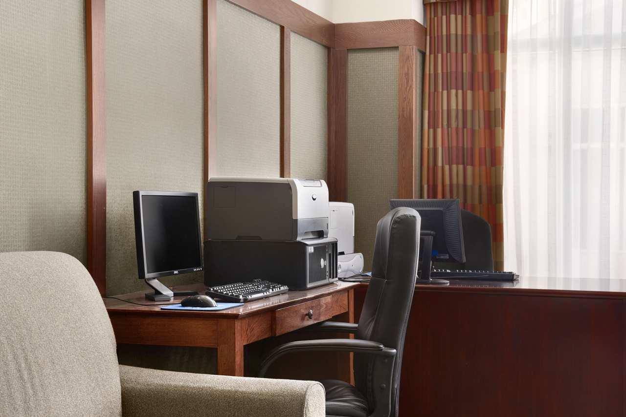 Hampton Inn & Suites Providence/Warwick-Airport image 24