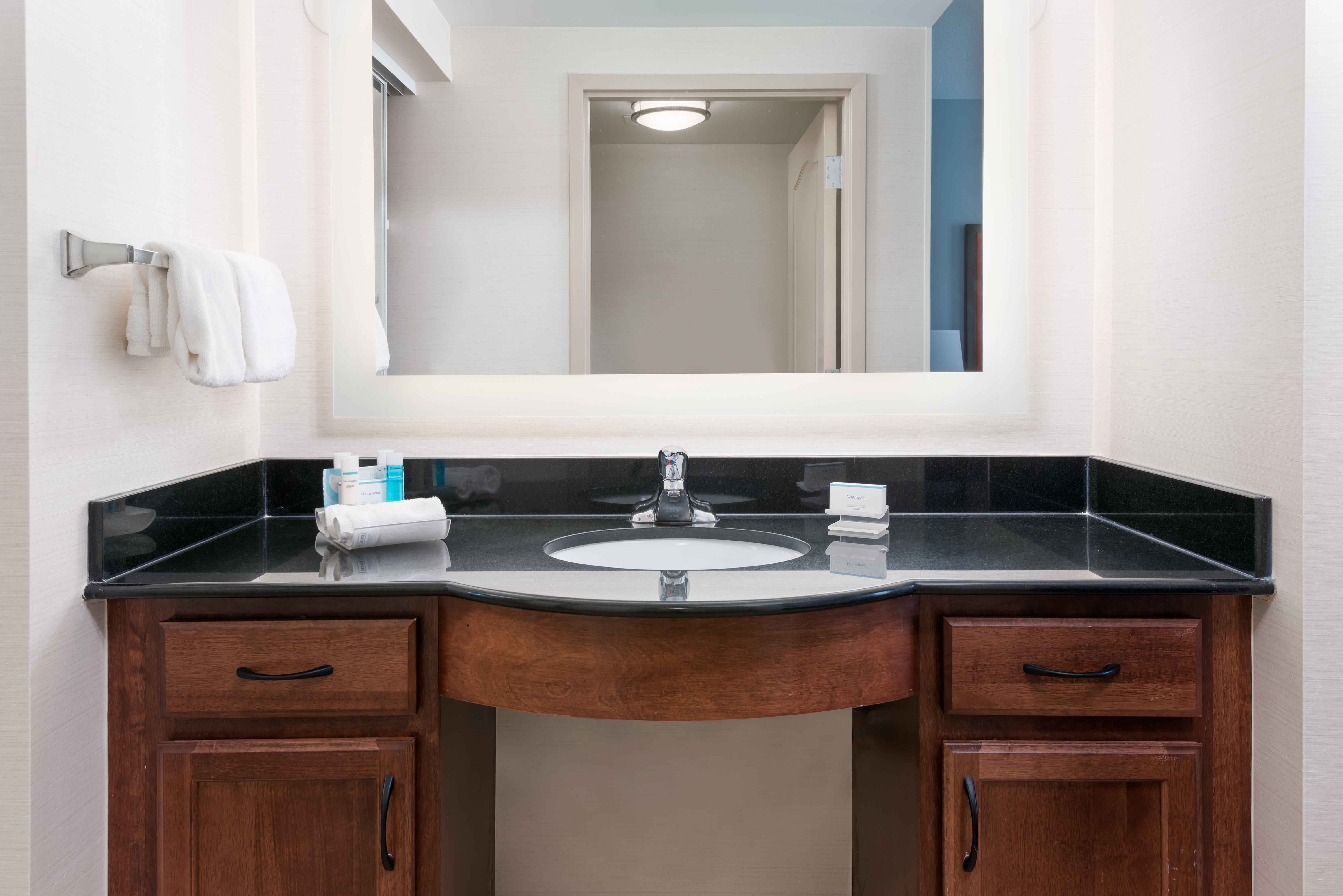Homewood Suites by Hilton Cleveland-Beachwood image 26