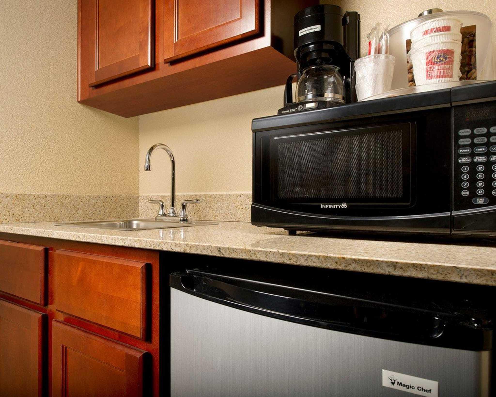 Comfort Suites Waco North image 2