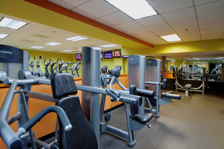 Crunch Fitness - Metro Center image 12