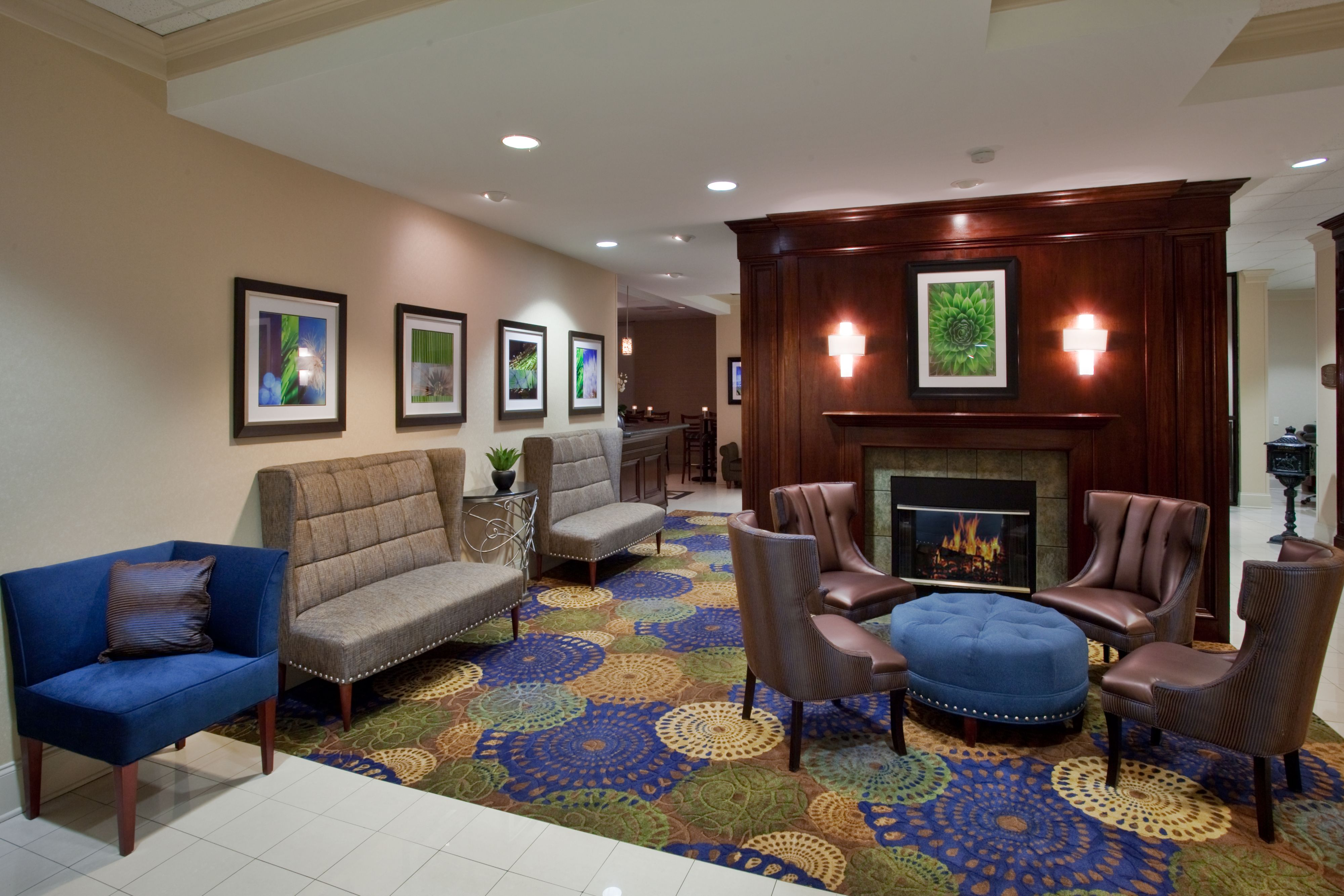 Holiday Inn Raleigh North - Midtown image 3