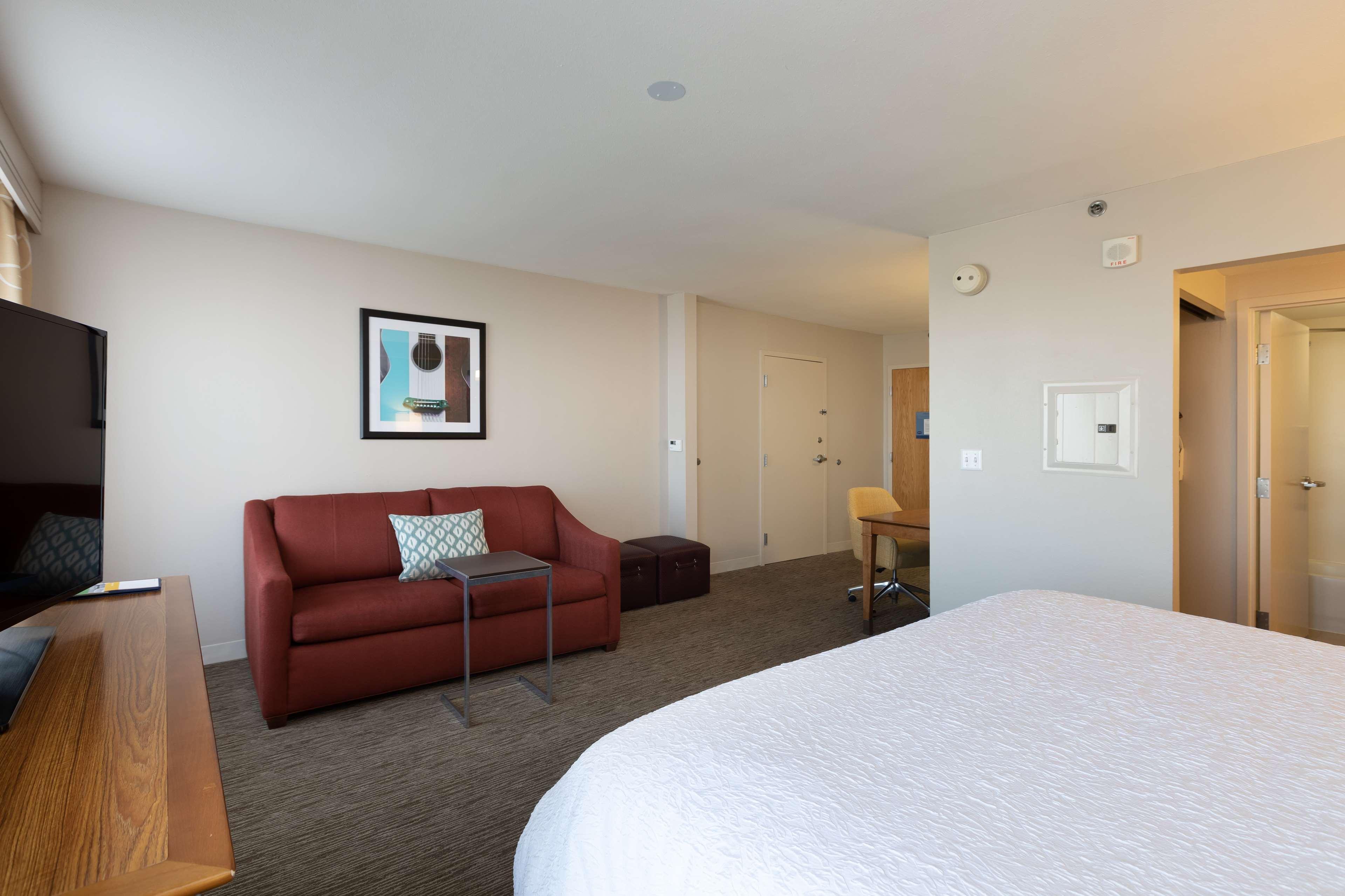 Hampton Inn & Suites Austin-Airport image 31