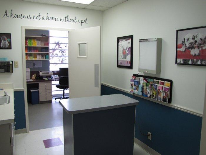 VCA Lindley Animal Hospital- Closed Location image 3