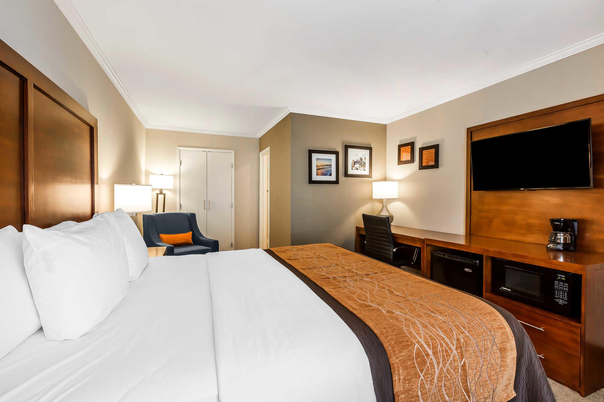 Comfort Inn Santa Monica - West Los Angeles image 8