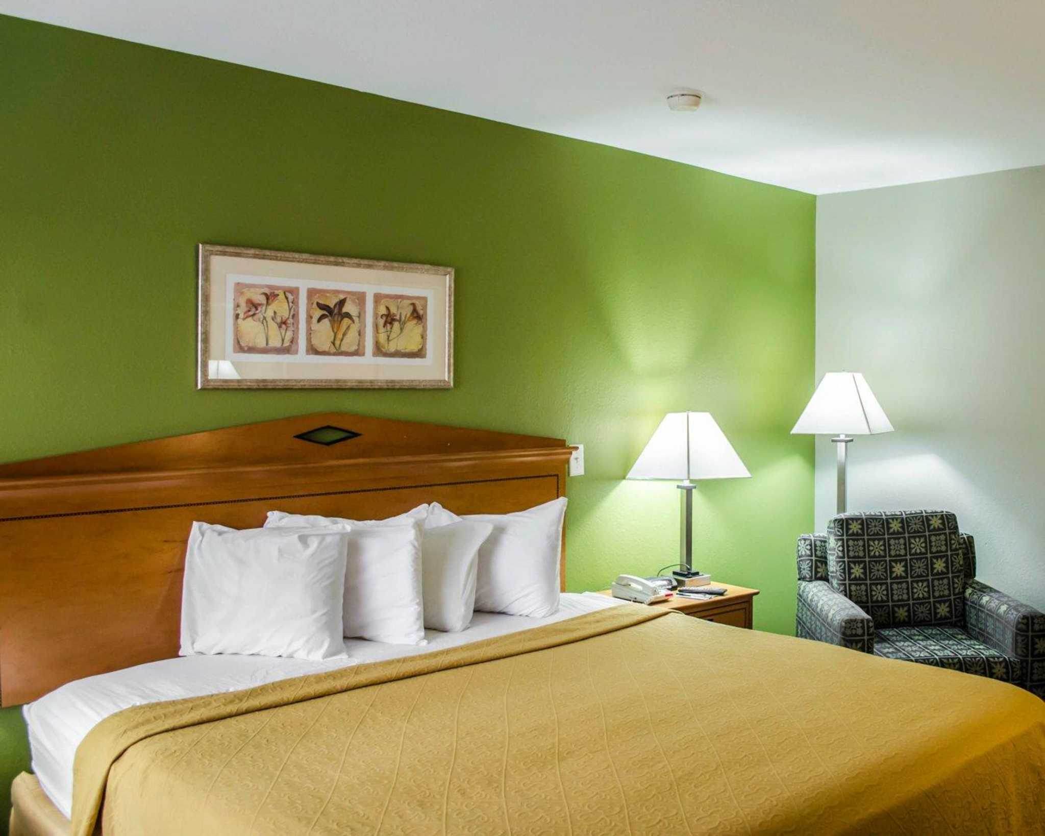 Quality Inn N.A.S.-Corry image 0