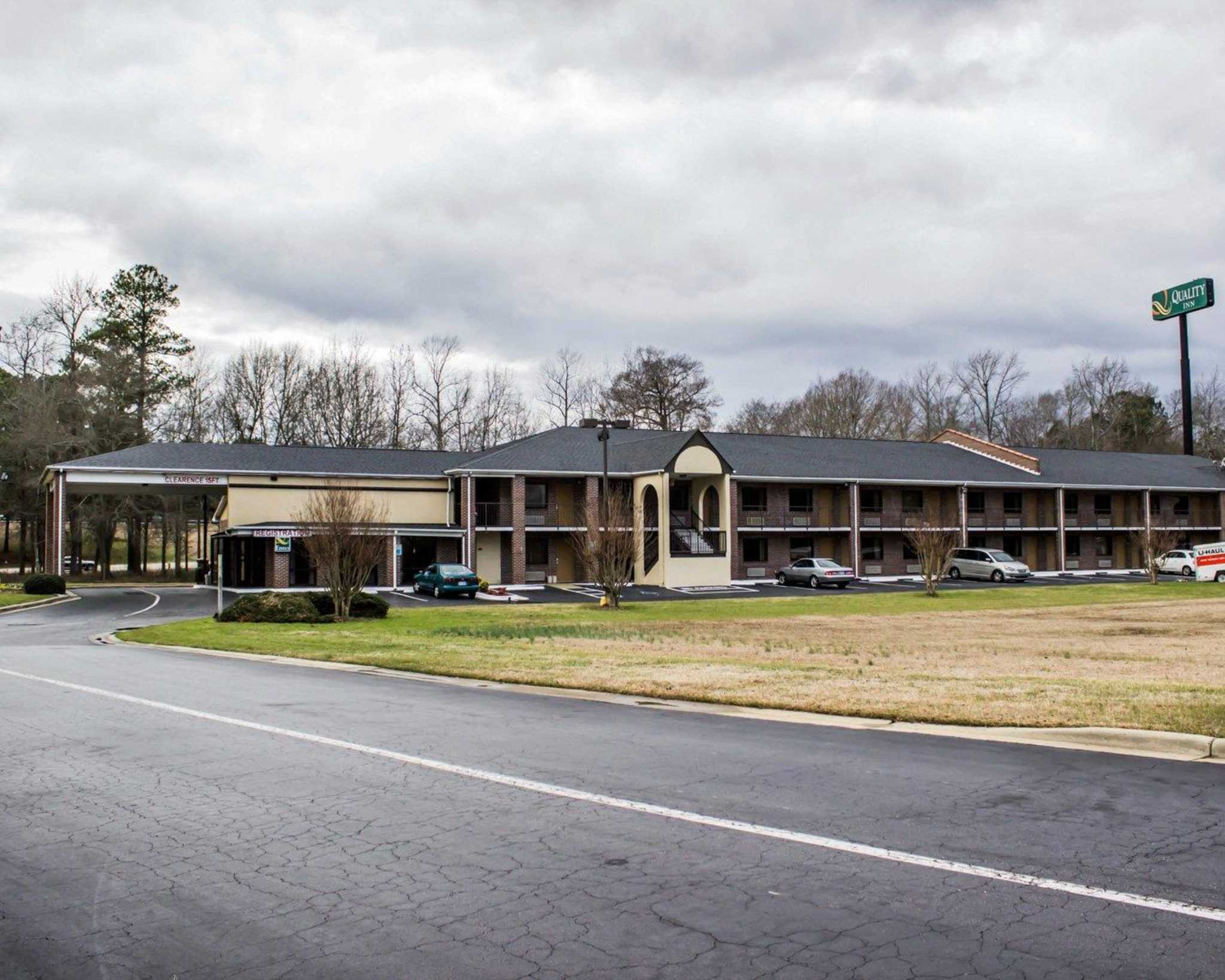 Pet Friendly Hotels In Kenly Nc