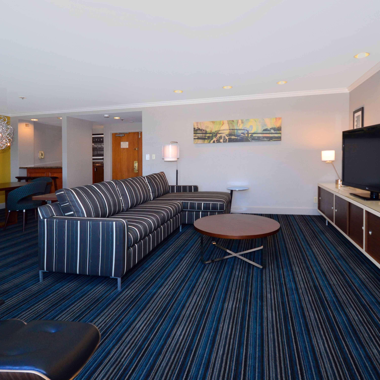 DoubleTree by Hilton Hotel Newark - Fremont image 24