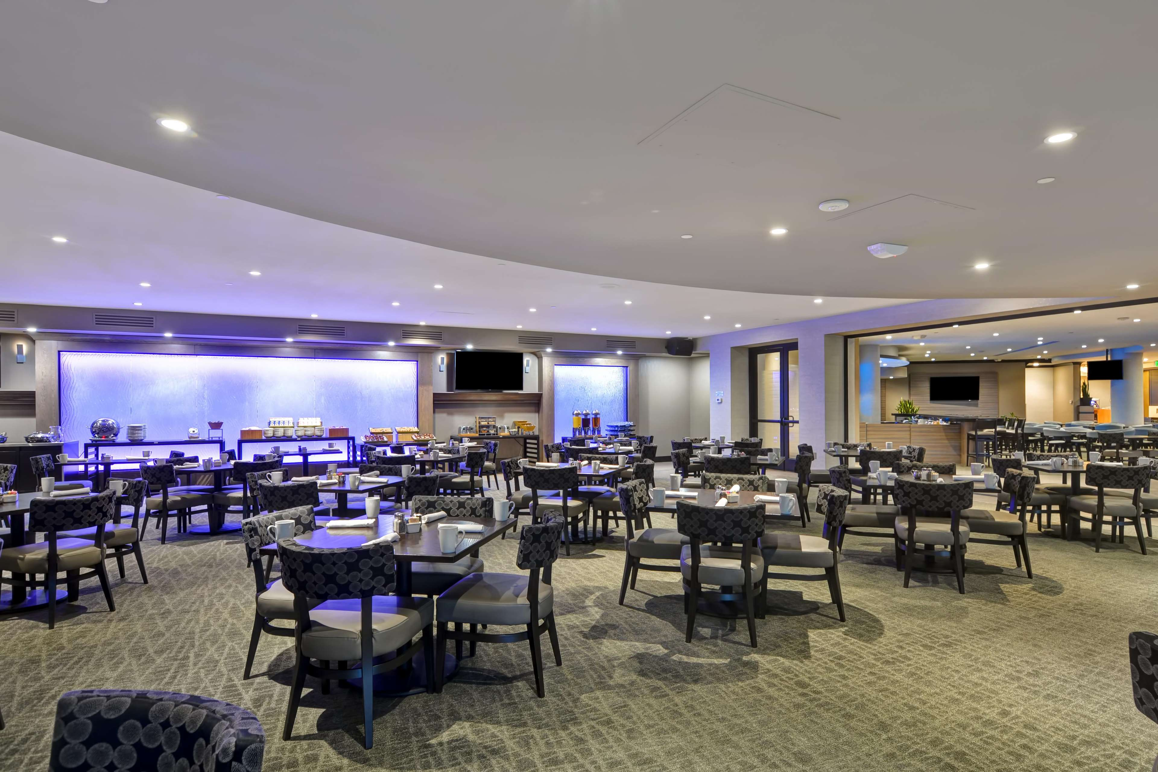 DoubleTree by Hilton Hotel Pleasanton at the Club image 8
