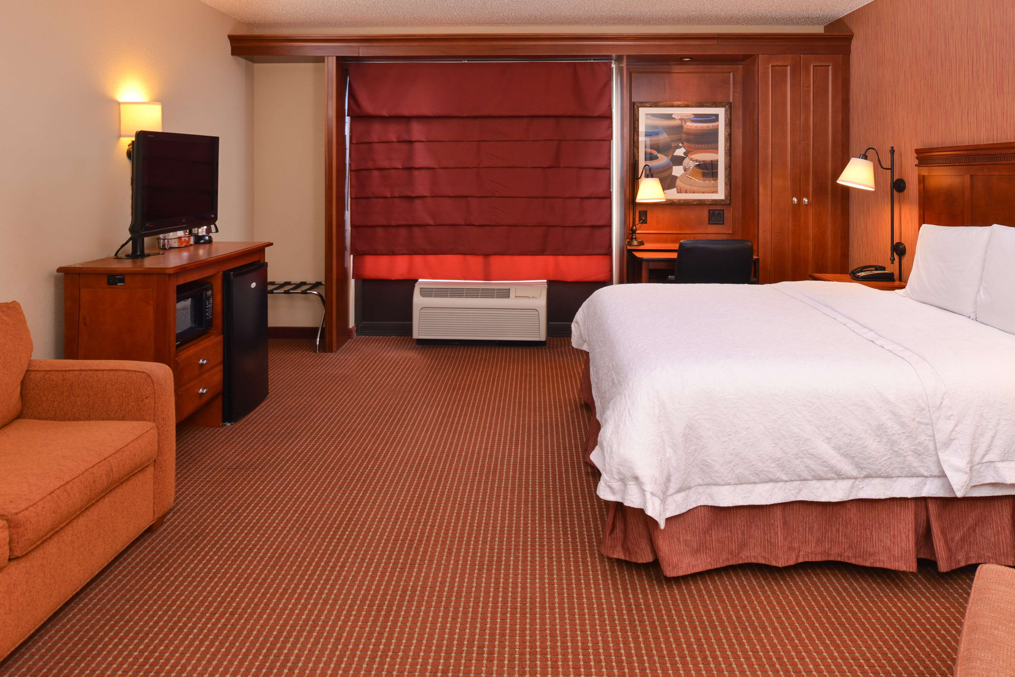 Hampton Inn Albuquerque-University/Midtown image 23