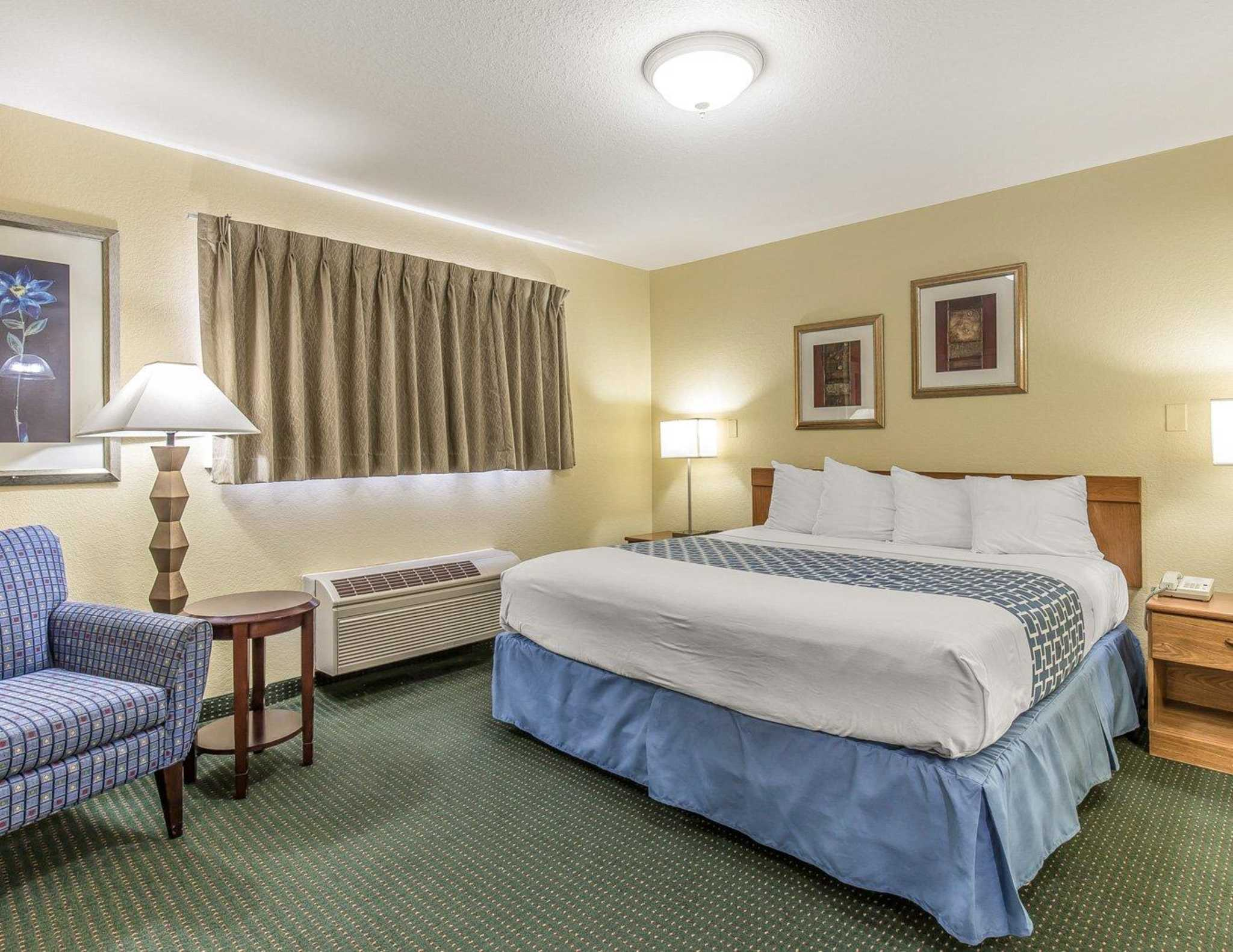 Suburban Extended Stay Hotel image 4