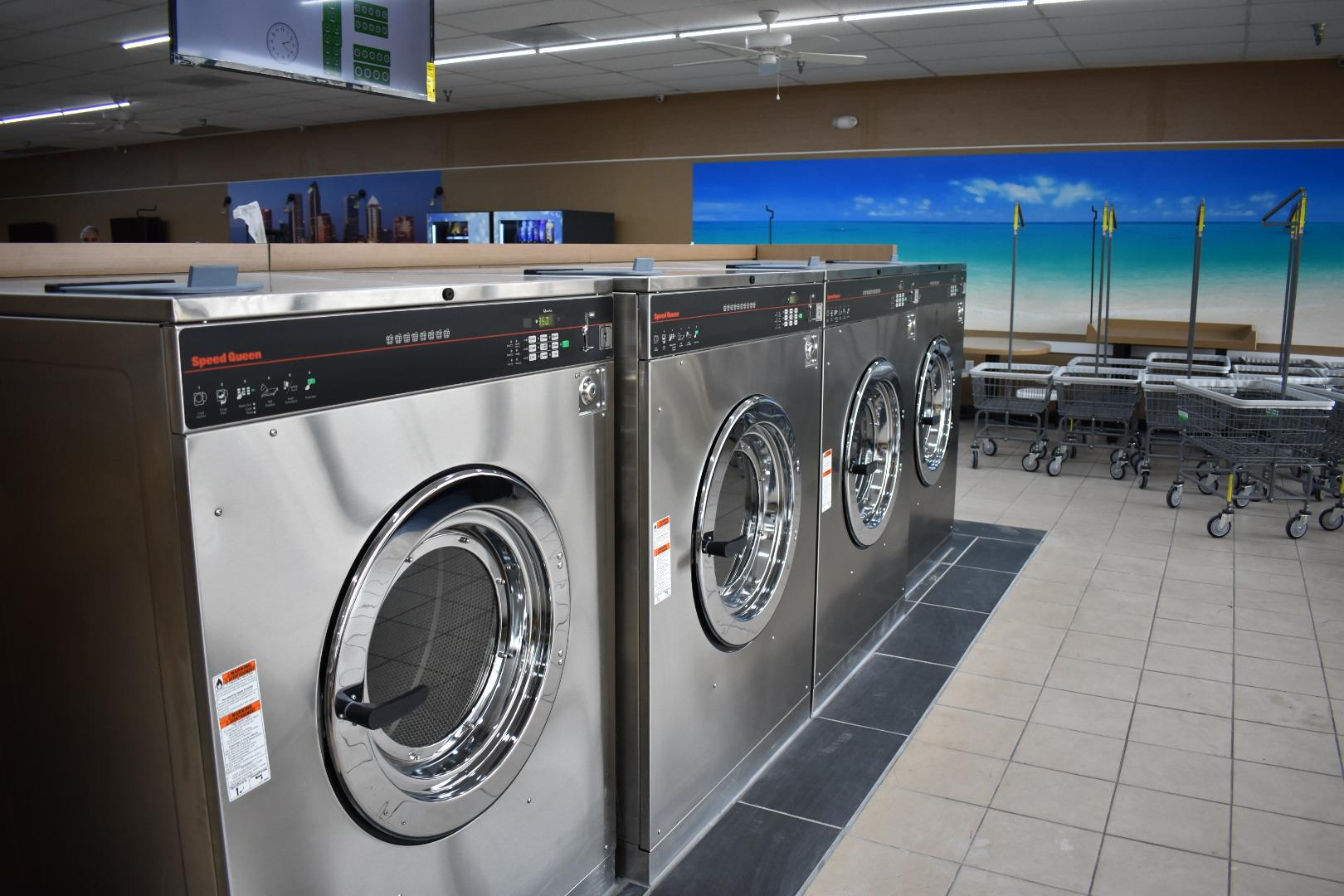 Speed Wash Laundromat image 2