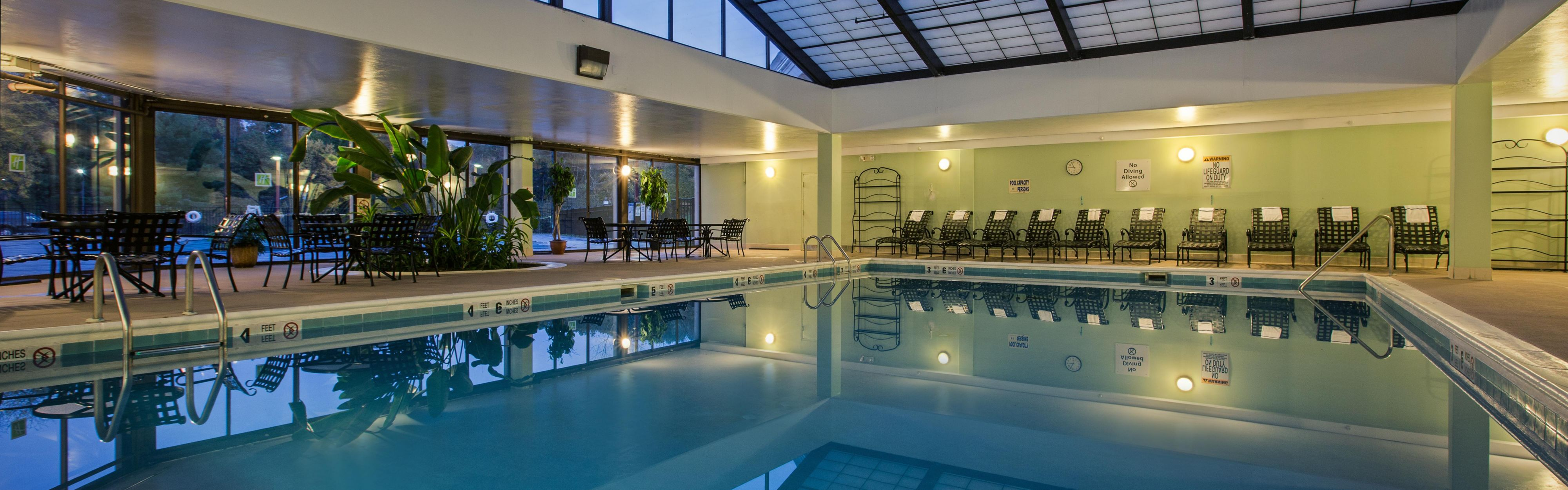 Holiday inn springfield south enfield ct hotel for A salon enfield ct