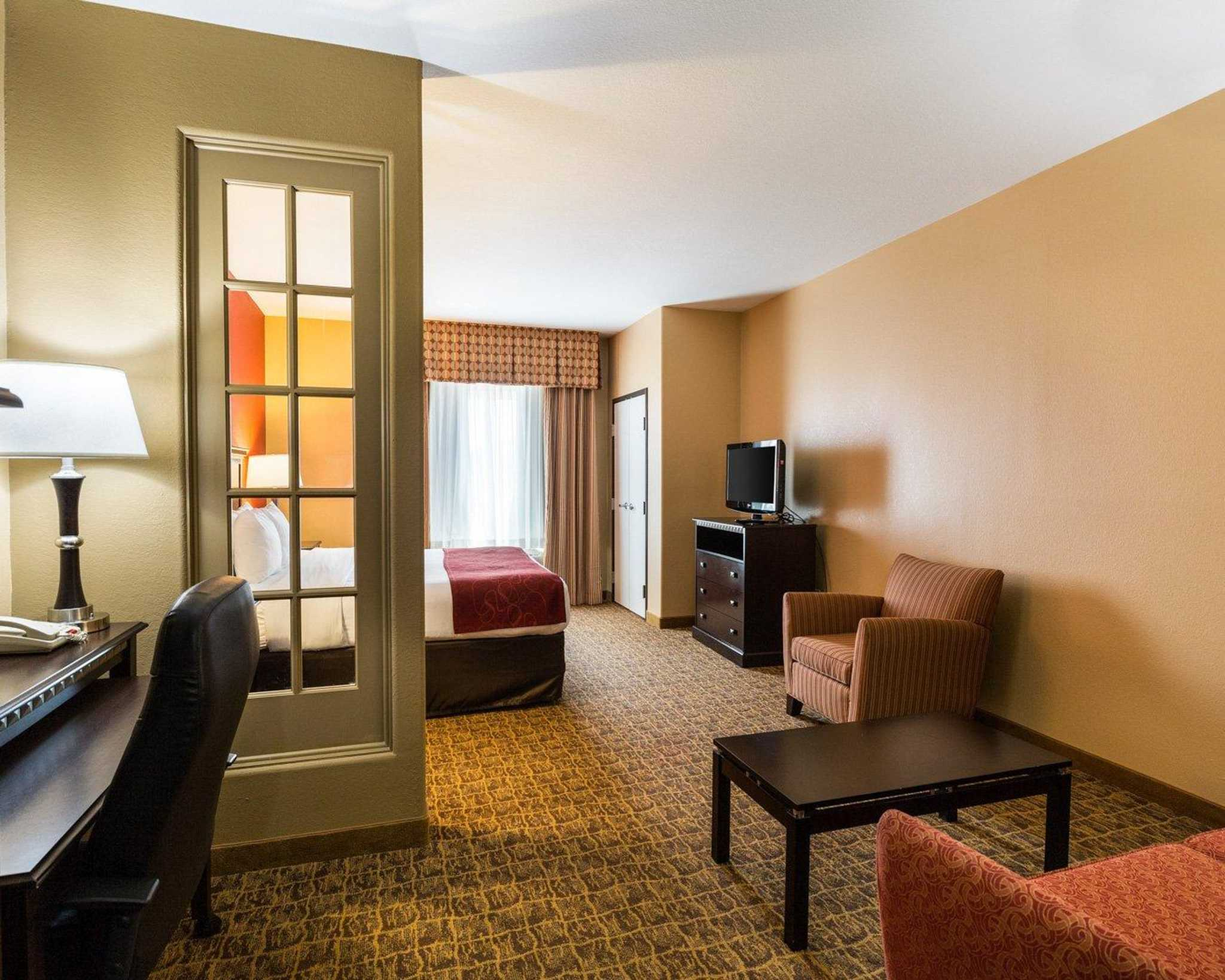 Comfort Suites Pearland - South Houston image 16