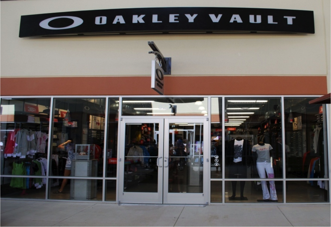 oakley sunglasses cincinnati  the official oakley outlet store: the oakley vault at cincinnati premium outlets. shop oakley sunglasses, goggles, apparel, and more up to 50% off at oakley
