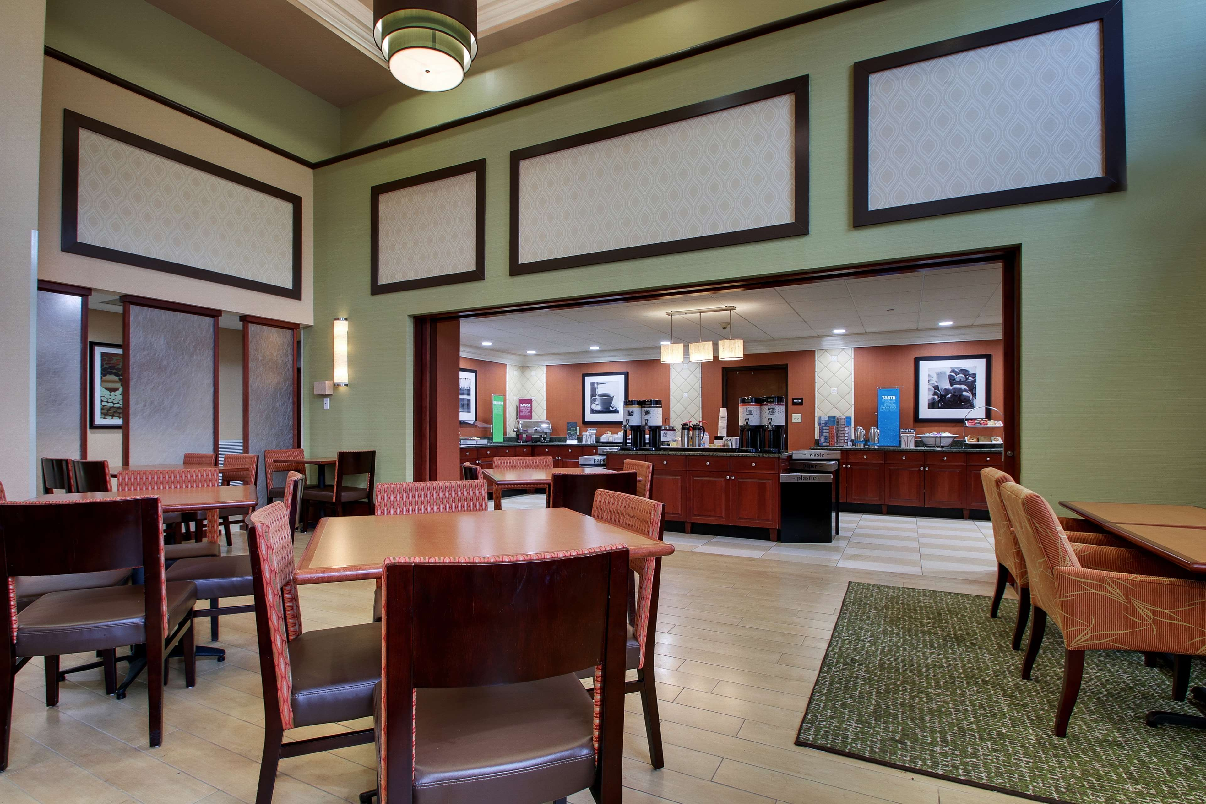 Hampton Inn & Suites Spartanburg-I-26-Westgate Mall image 12